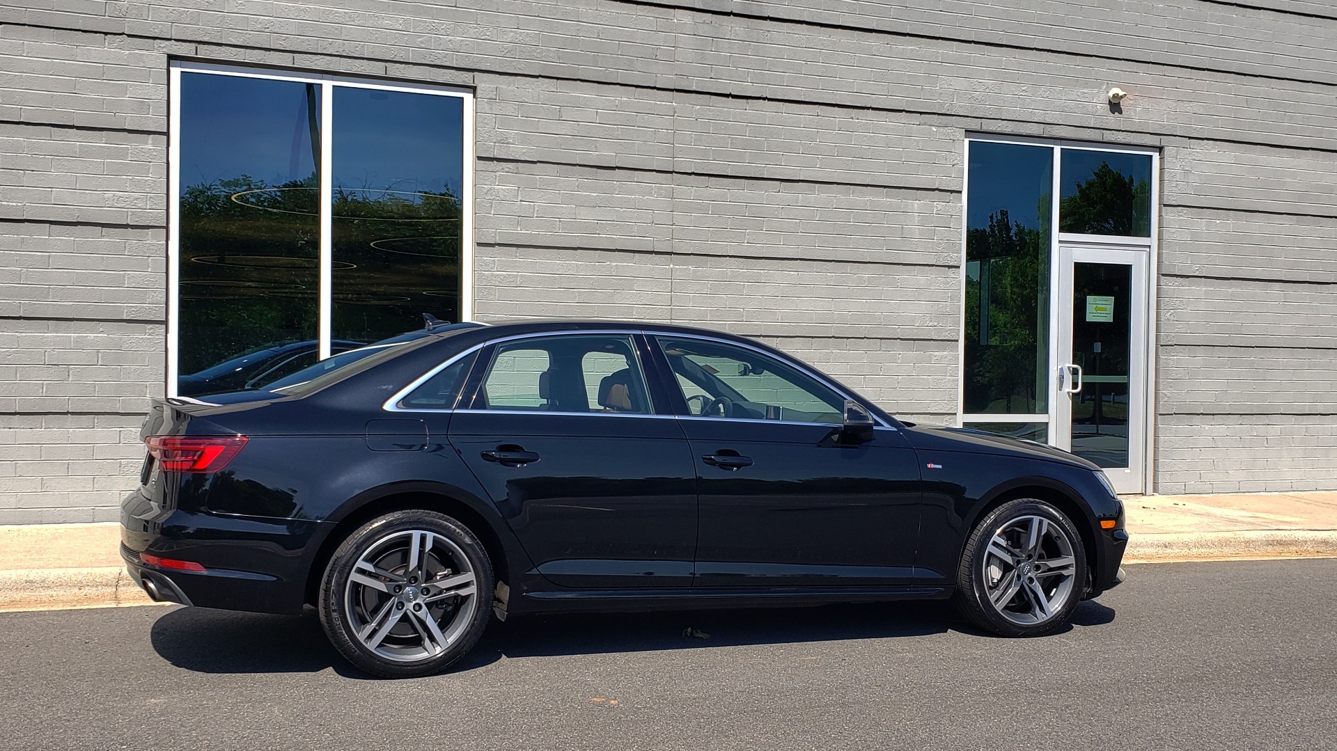 Used 2018 Audi A4 PREMIUM PLUS 2.0T / NAV / SUNROOF / B&O SND / CLD WTHR / REARVIEW for sale $30,695 at Formula Imports in Charlotte NC 28227 7