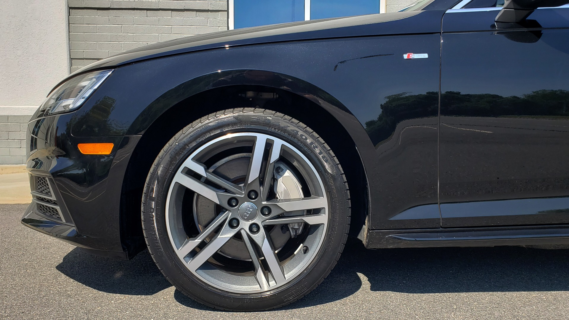Used 2018 Audi A4 PREMIUM PLUS 2.0T / NAV / SUNROOF / B&O SND / CLD WTHR / REARVIEW for sale $30,695 at Formula Imports in Charlotte NC 28227 77