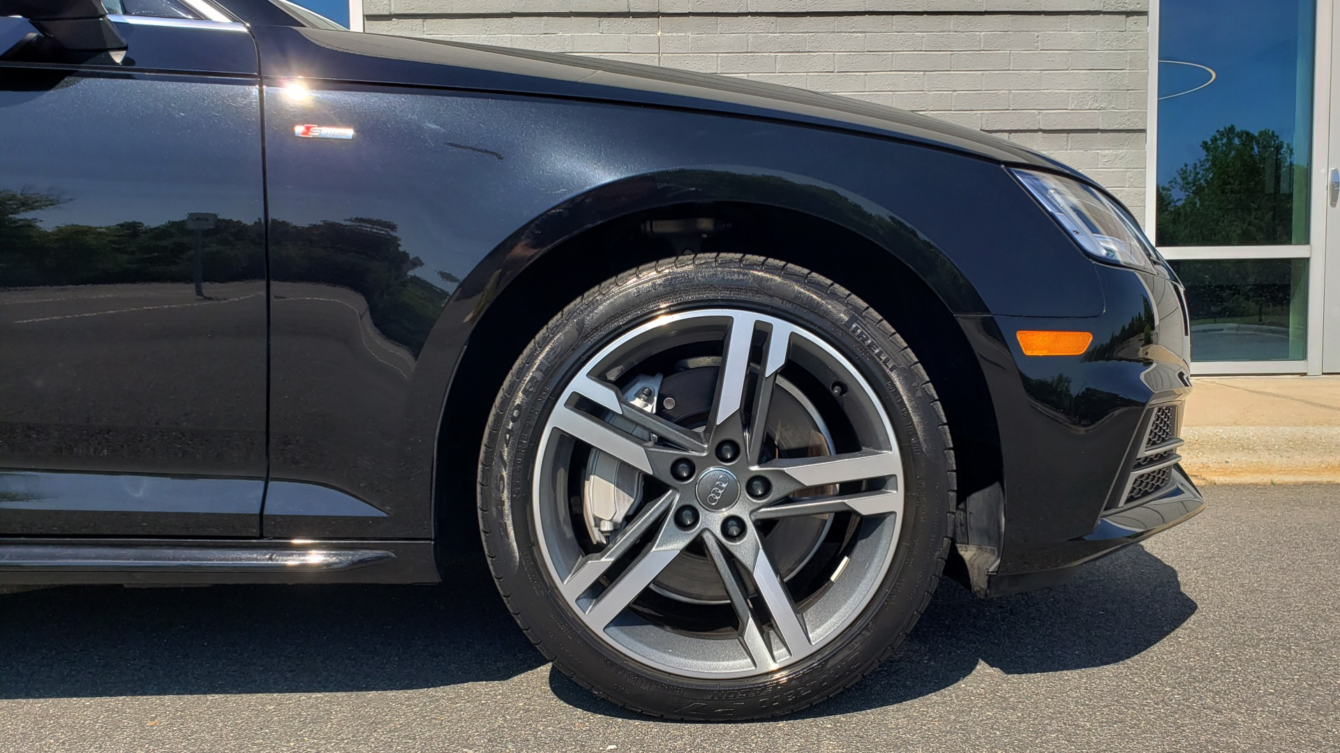 Used 2018 Audi A4 PREMIUM PLUS 2.0T / NAV / SUNROOF / B&O SND / CLD WTHR / REARVIEW for sale $30,695 at Formula Imports in Charlotte NC 28227 80