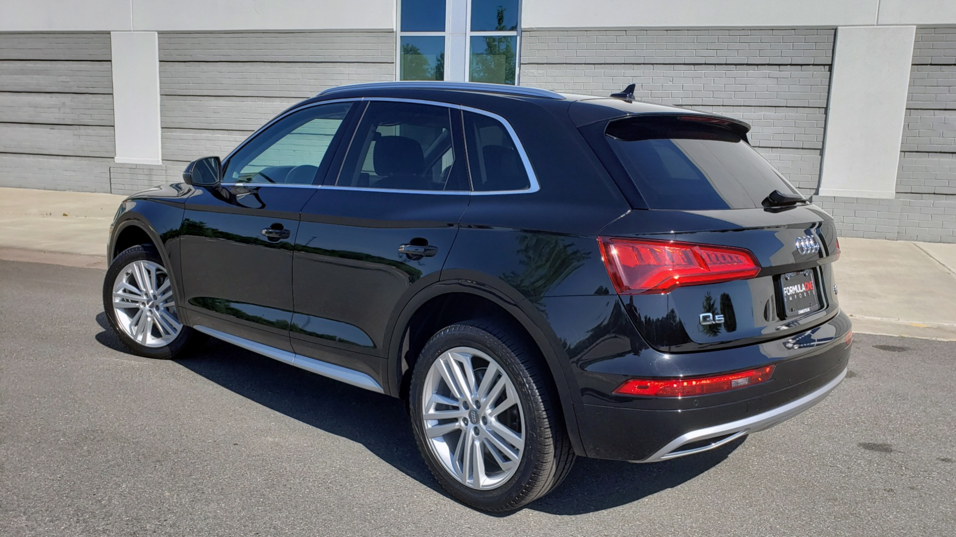 Used 2018 Audi Q5 PREMIUM PLUS / NAV / B&O SND / CLD WTHR / SUNROOF / REARVIEW for sale Sold at Formula Imports in Charlotte NC 28227 2