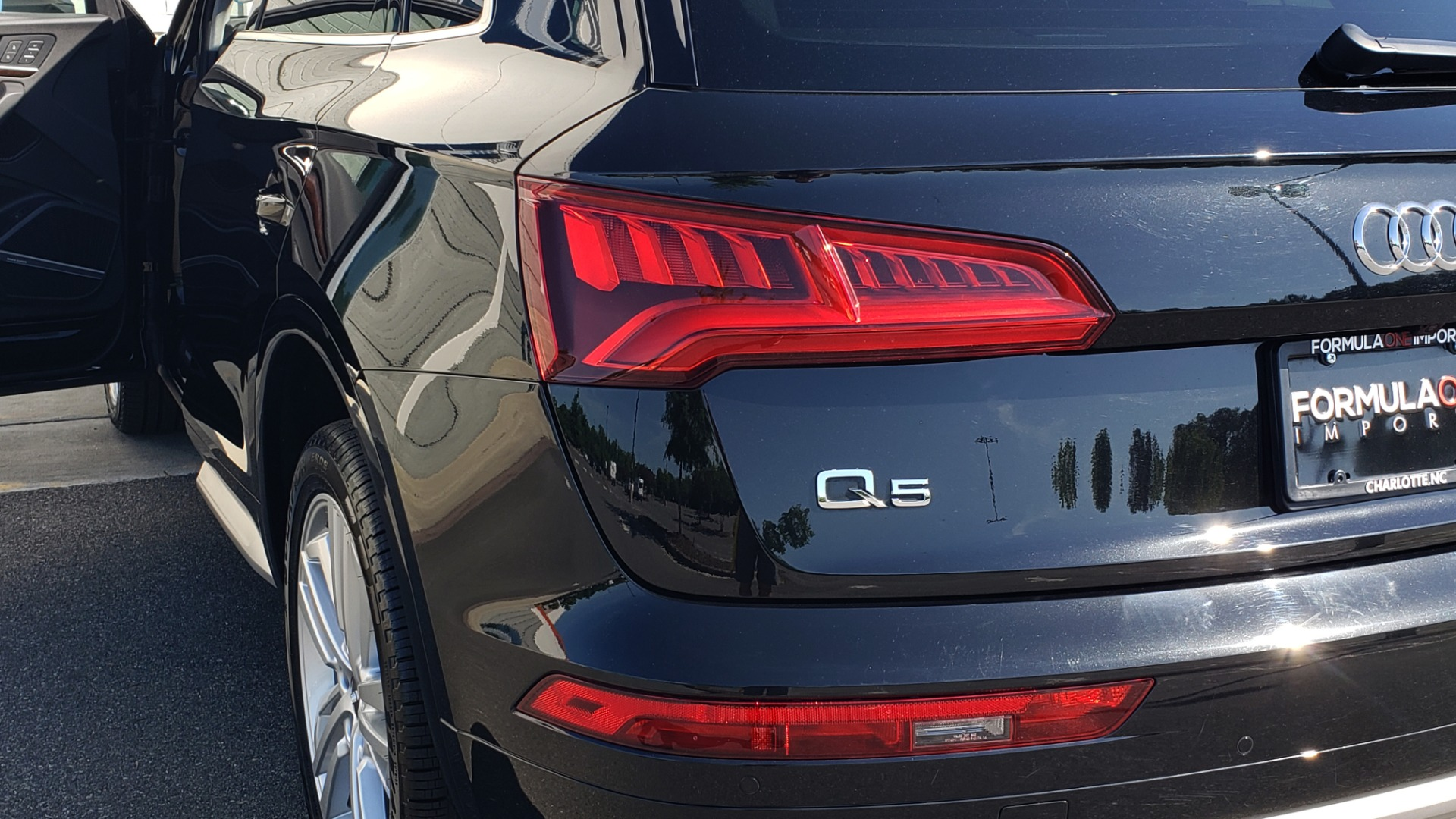 Used 2018 Audi Q5 PREMIUM PLUS / NAV / B&O SND / CLD WTHR / SUNROOF / REARVIEW for sale Sold at Formula Imports in Charlotte NC 28227 28
