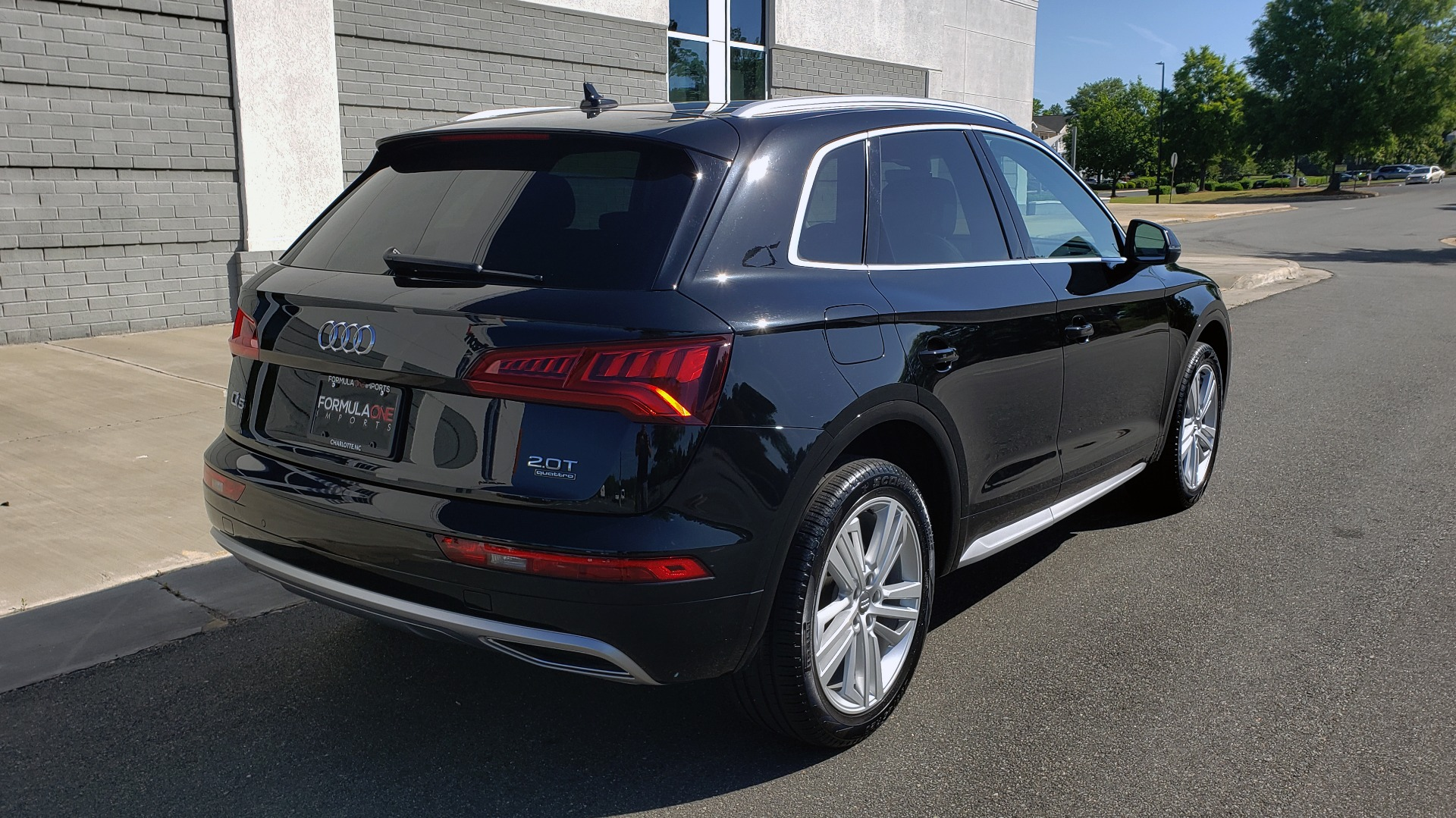 Used 2018 Audi Q5 PREMIUM PLUS / NAV / B&O SND / CLD WTHR / SUNROOF / REARVIEW for sale Sold at Formula Imports in Charlotte NC 28227 4