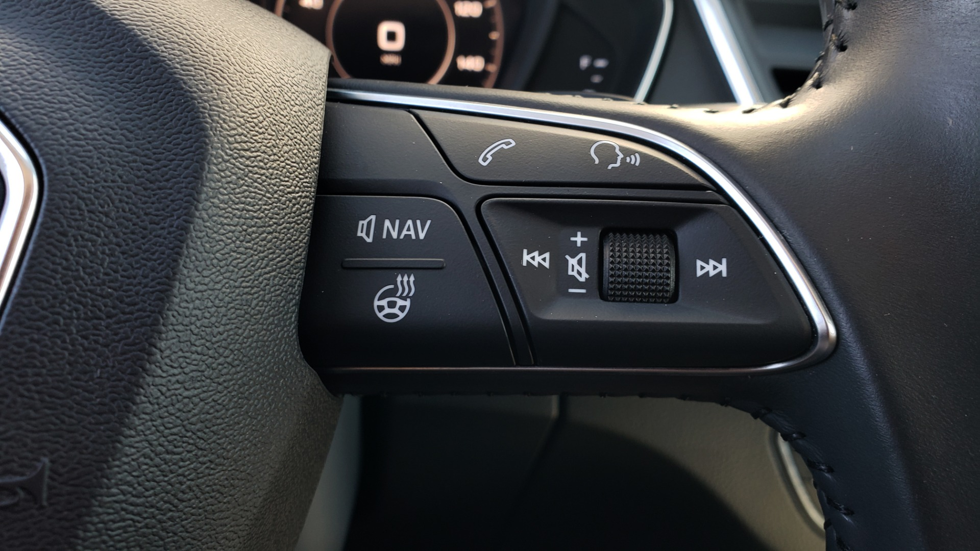 Used 2018 Audi Q5 PREMIUM PLUS / NAV / B&O SND / CLD WTHR / SUNROOF / REARVIEW for sale Sold at Formula Imports in Charlotte NC 28227 45