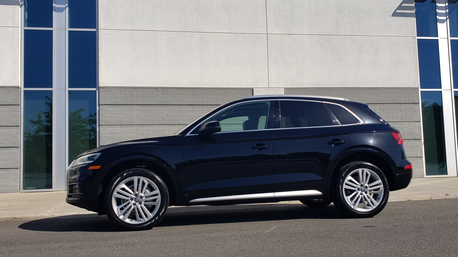 Used 2018 Audi Q5 PREMIUM PLUS / NAV / B&O SND / CLD WTHR / SUNROOF / REARVIEW for sale Sold at Formula Imports in Charlotte NC 28227 5