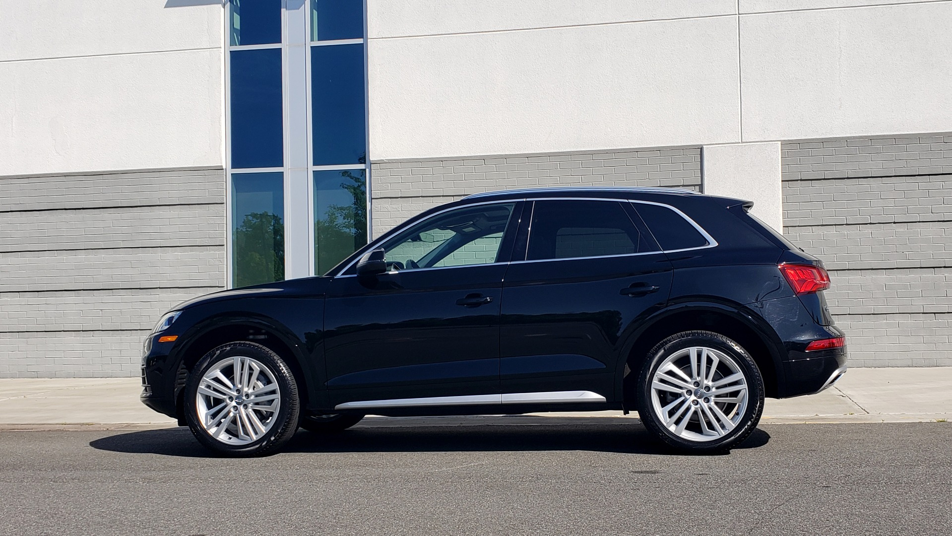 Used 2018 Audi Q5 PREMIUM PLUS / NAV / B&O SND / CLD WTHR / SUNROOF / REARVIEW for sale Sold at Formula Imports in Charlotte NC 28227 6