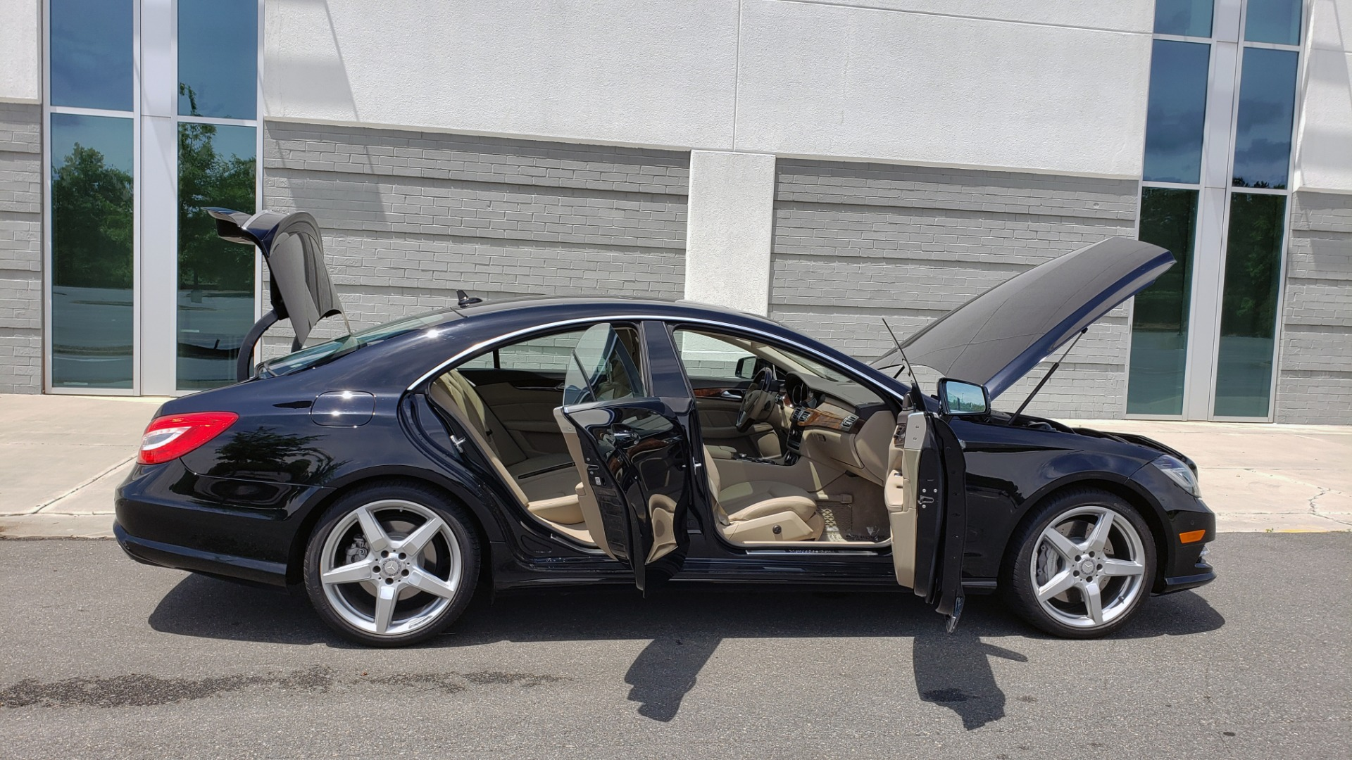 Used 2014 Mercedes-Benz CLS-CLASS CLS 550 PREMIUM / AMG SPORT WHLS / SUNROOF / LANE TRACK / PARKTRONIC for sale Sold at Formula Imports in Charlotte NC 28227 13