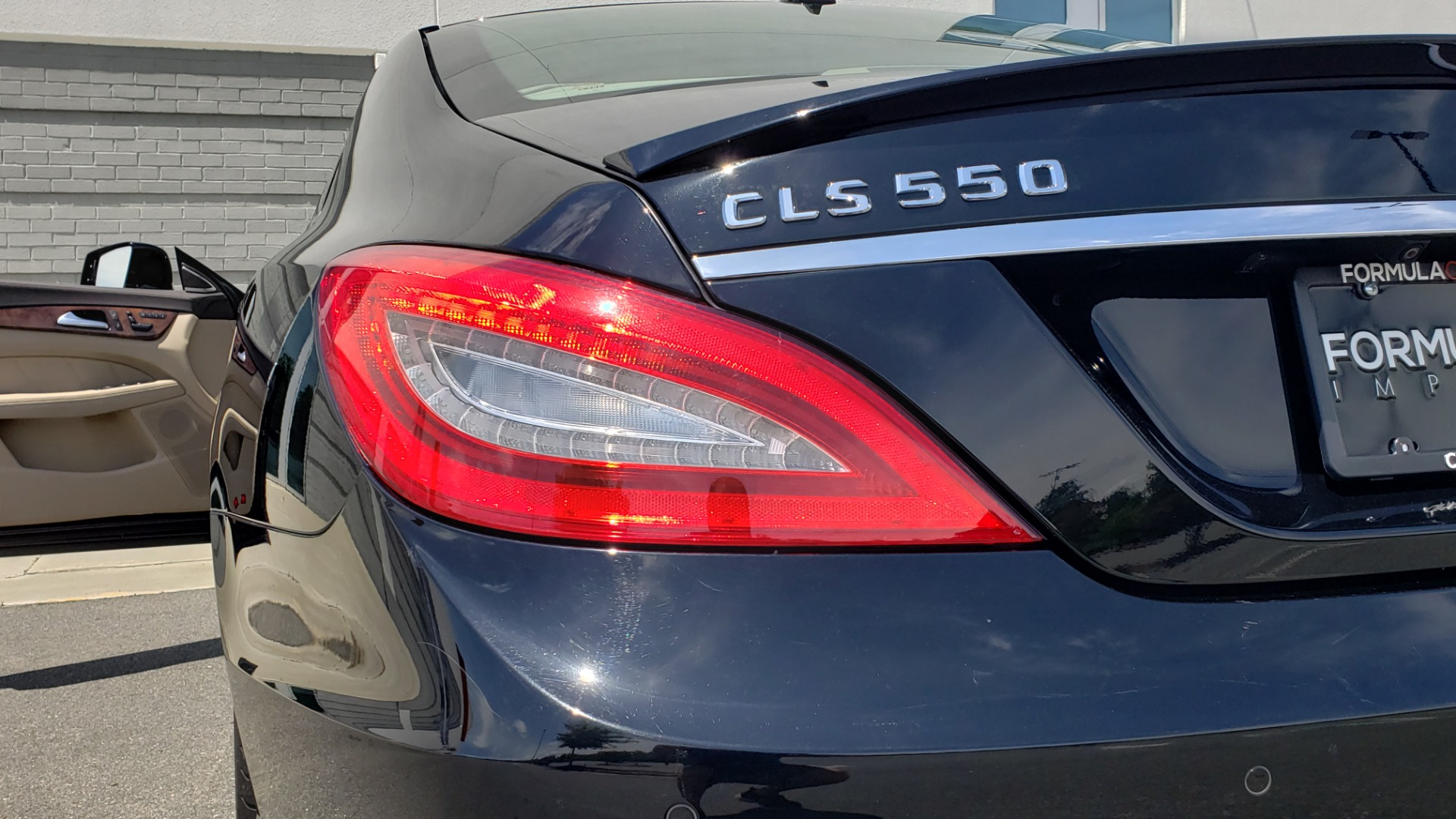 Used 2014 Mercedes-Benz CLS-CLASS CLS 550 PREMIUM / AMG SPORT WHLS / SUNROOF / LANE TRACK / PARKTRONIC for sale Sold at Formula Imports in Charlotte NC 28227 30