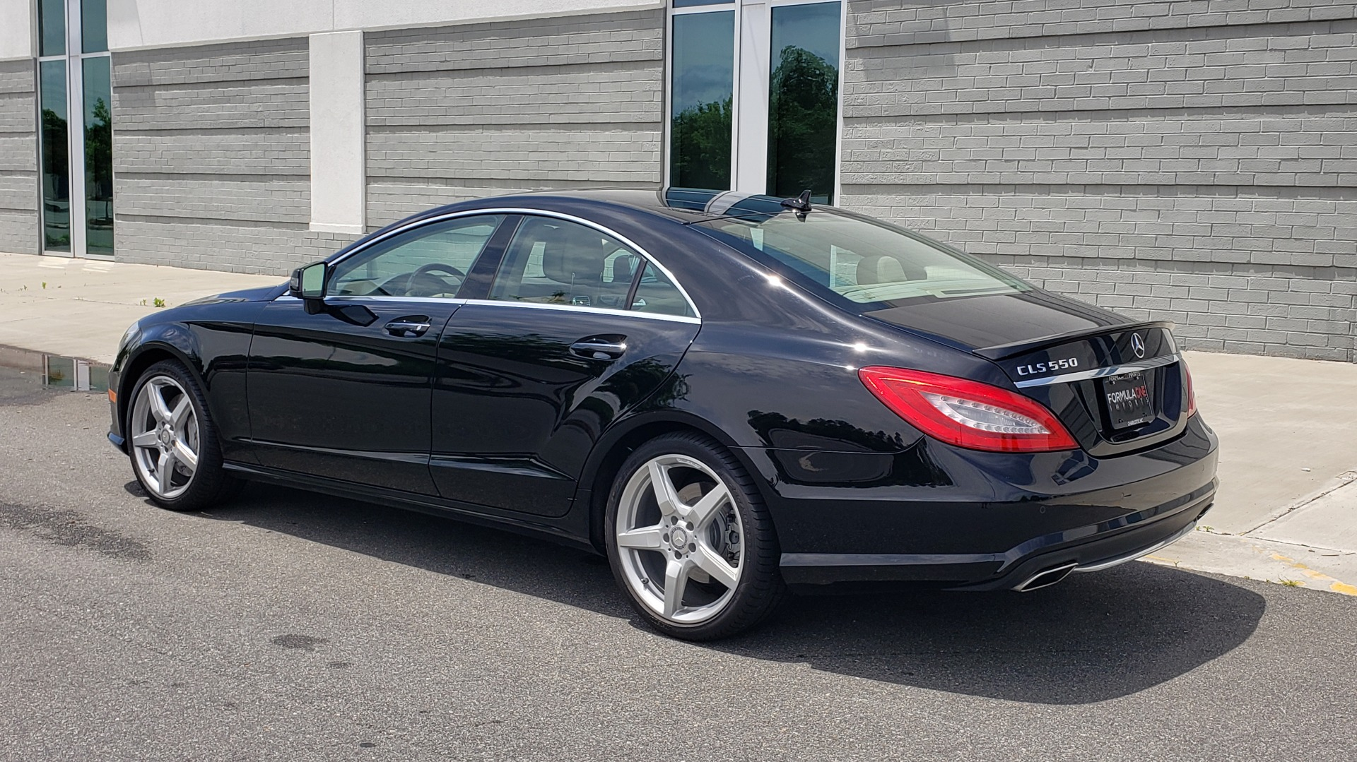 Used 2014 Mercedes-Benz CLS-CLASS CLS 550 PREMIUM / AMG SPORT WHLS / SUNROOF / LANE TRACK / PARKTRONIC for sale Sold at Formula Imports in Charlotte NC 28227 6