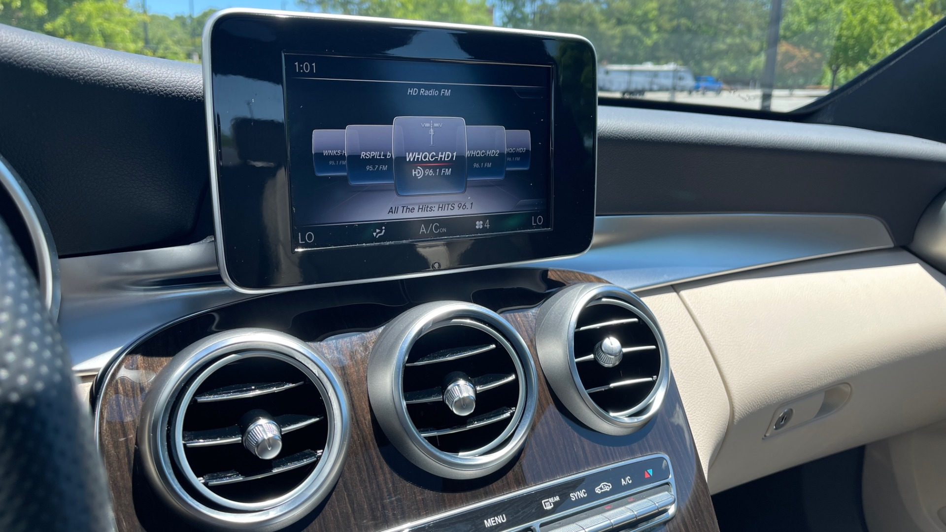 Used 2018 Mercedes-Benz C-CLASS C 300 PREMIUM / KEYLESS-GO / PANO-ROOF / BURMESTER / REARVIEW for sale $29,495 at Formula Imports in Charlotte NC 28227 40