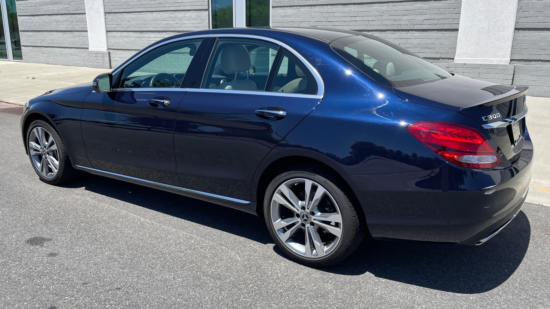 Used 2018 Mercedes-Benz C-CLASS C 300 PREMIUM / KEYLESS-GO / PANO-ROOF / BURMESTER / REARVIEW for sale $29,495 at Formula Imports in Charlotte NC 28227 5