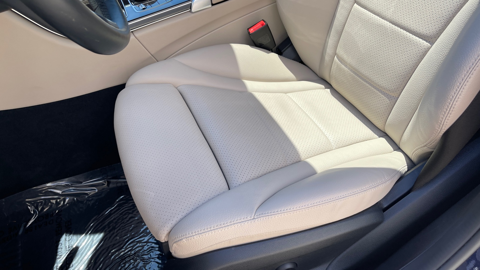 Used 2018 Mercedes-Benz C-CLASS C 300 PREMIUM / KEYLESS-GO / PANO-ROOF / BURMESTER / REARVIEW for sale $29,495 at Formula Imports in Charlotte NC 28227 55