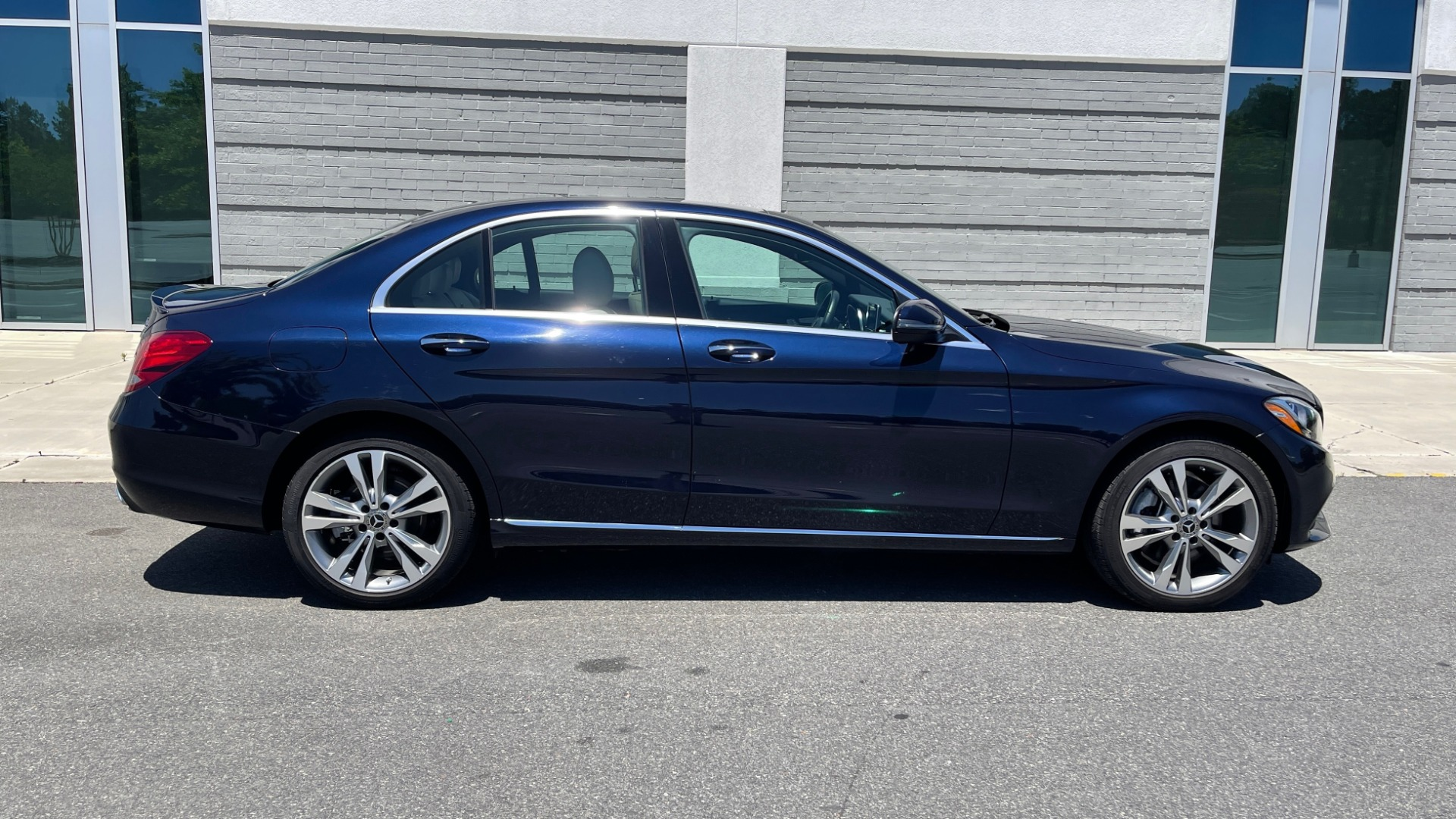 Used 2018 Mercedes-Benz C-CLASS C 300 PREMIUM / KEYLESS-GO / PANO-ROOF / BURMESTER / REARVIEW for sale $29,495 at Formula Imports in Charlotte NC 28227 6
