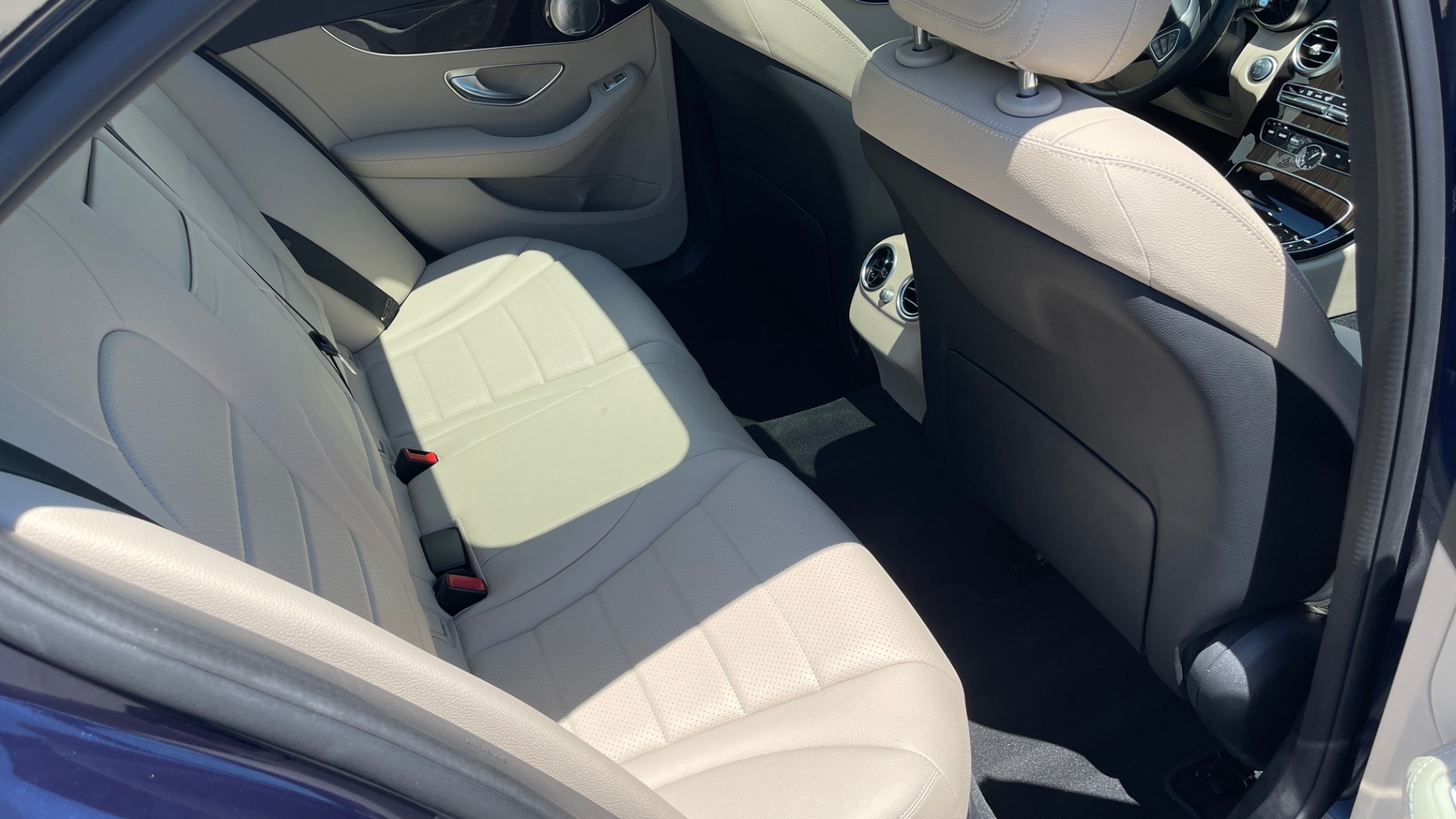 Used 2018 Mercedes-Benz C-CLASS C 300 PREMIUM / KEYLESS-GO / PANO-ROOF / BURMESTER / REARVIEW for sale $29,495 at Formula Imports in Charlotte NC 28227 65