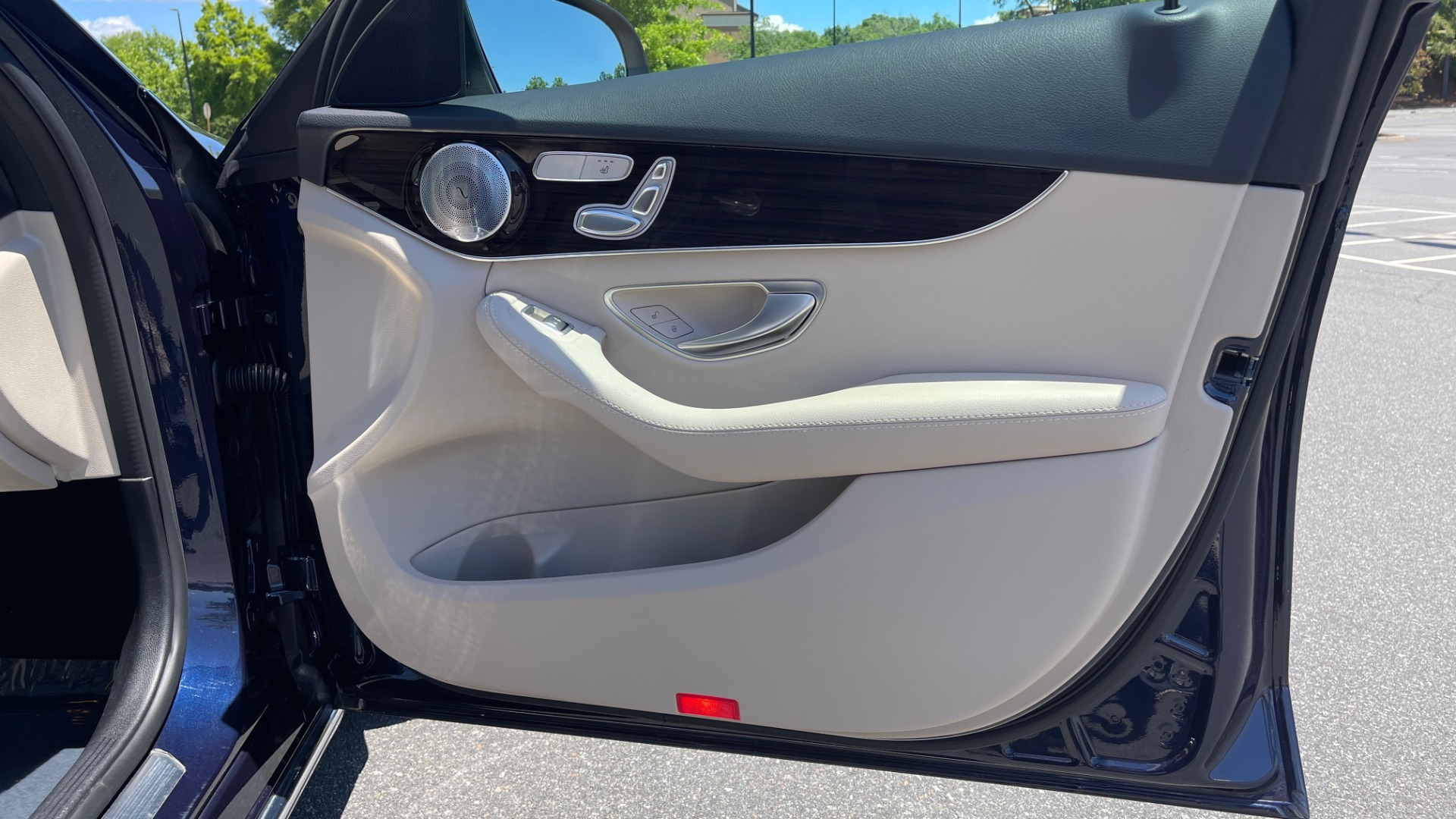 Used 2018 Mercedes-Benz C-CLASS C 300 PREMIUM / KEYLESS-GO / PANO-ROOF / BURMESTER / REARVIEW for sale $29,495 at Formula Imports in Charlotte NC 28227 66