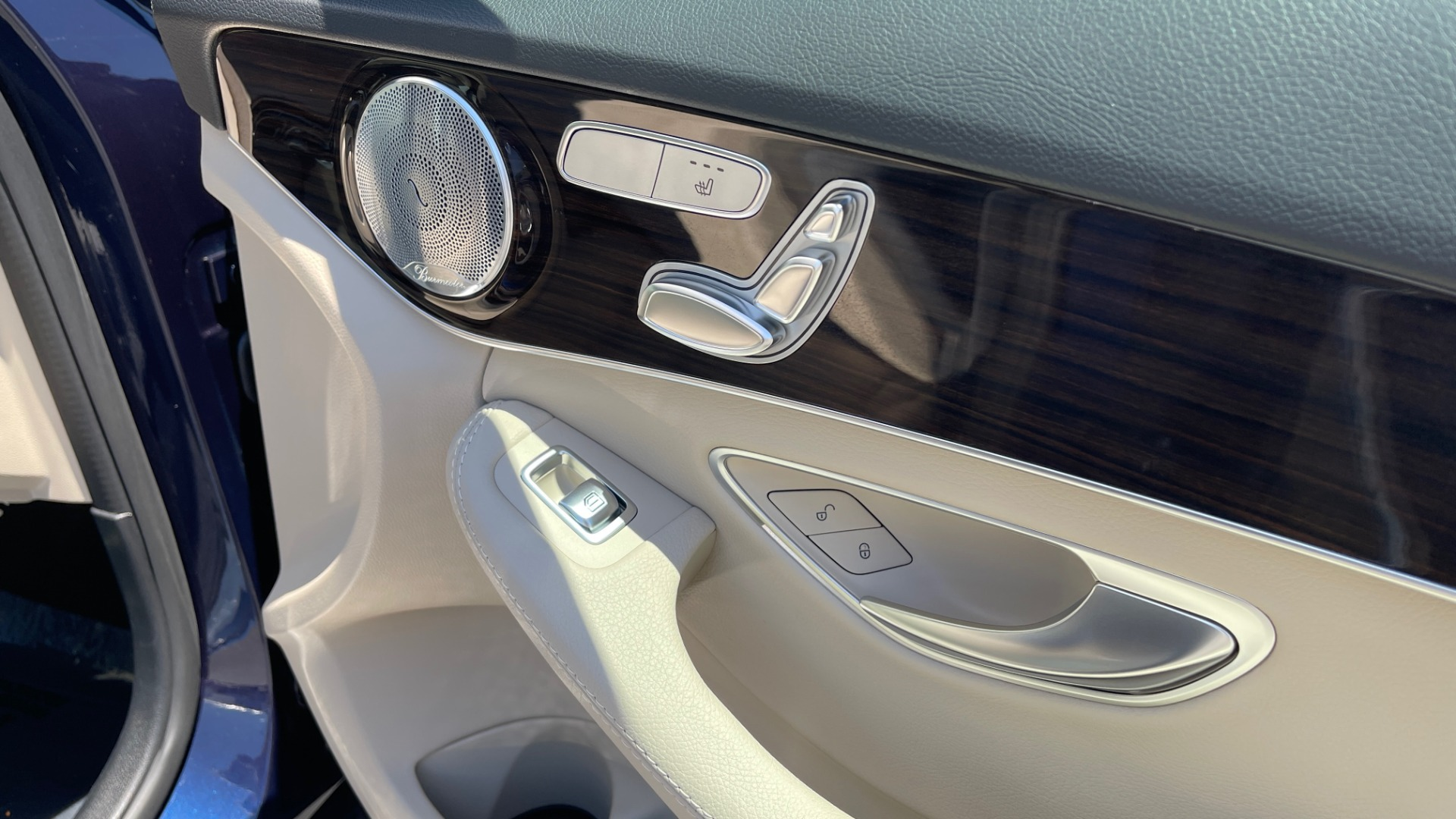 Used 2018 Mercedes-Benz C-CLASS C 300 PREMIUM / KEYLESS-GO / PANO-ROOF / BURMESTER / REARVIEW for sale $29,495 at Formula Imports in Charlotte NC 28227 67