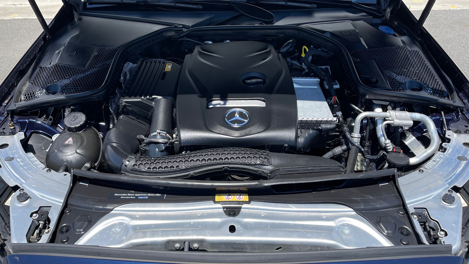 Used 2018 Mercedes-Benz C-CLASS C 300 PREMIUM / KEYLESS-GO / PANO-ROOF / BURMESTER / REARVIEW for sale $29,495 at Formula Imports in Charlotte NC 28227 7