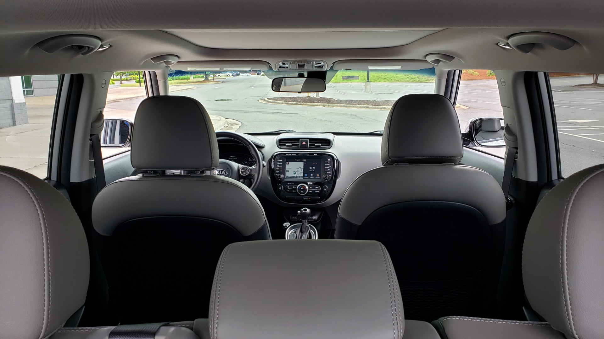 Used 2017 Kia SOUL PLUS / NAV / SUNROOF / LEATHER / HTD STS / REARVIEW for sale $16,995 at Formula Imports in Charlotte NC 28227 14