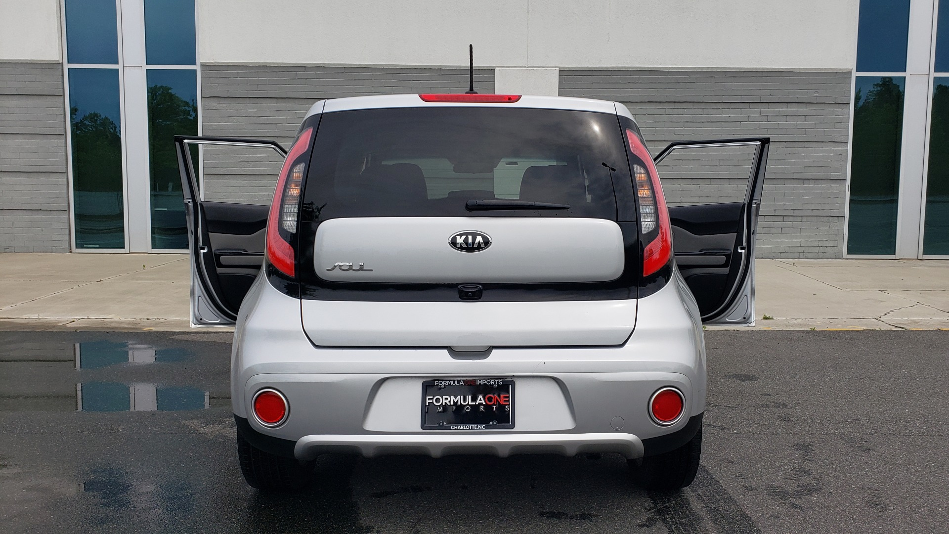 Used 2017 Kia SOUL PLUS / NAV / SUNROOF / LEATHER / HTD STS / REARVIEW for sale $16,995 at Formula Imports in Charlotte NC 28227 26
