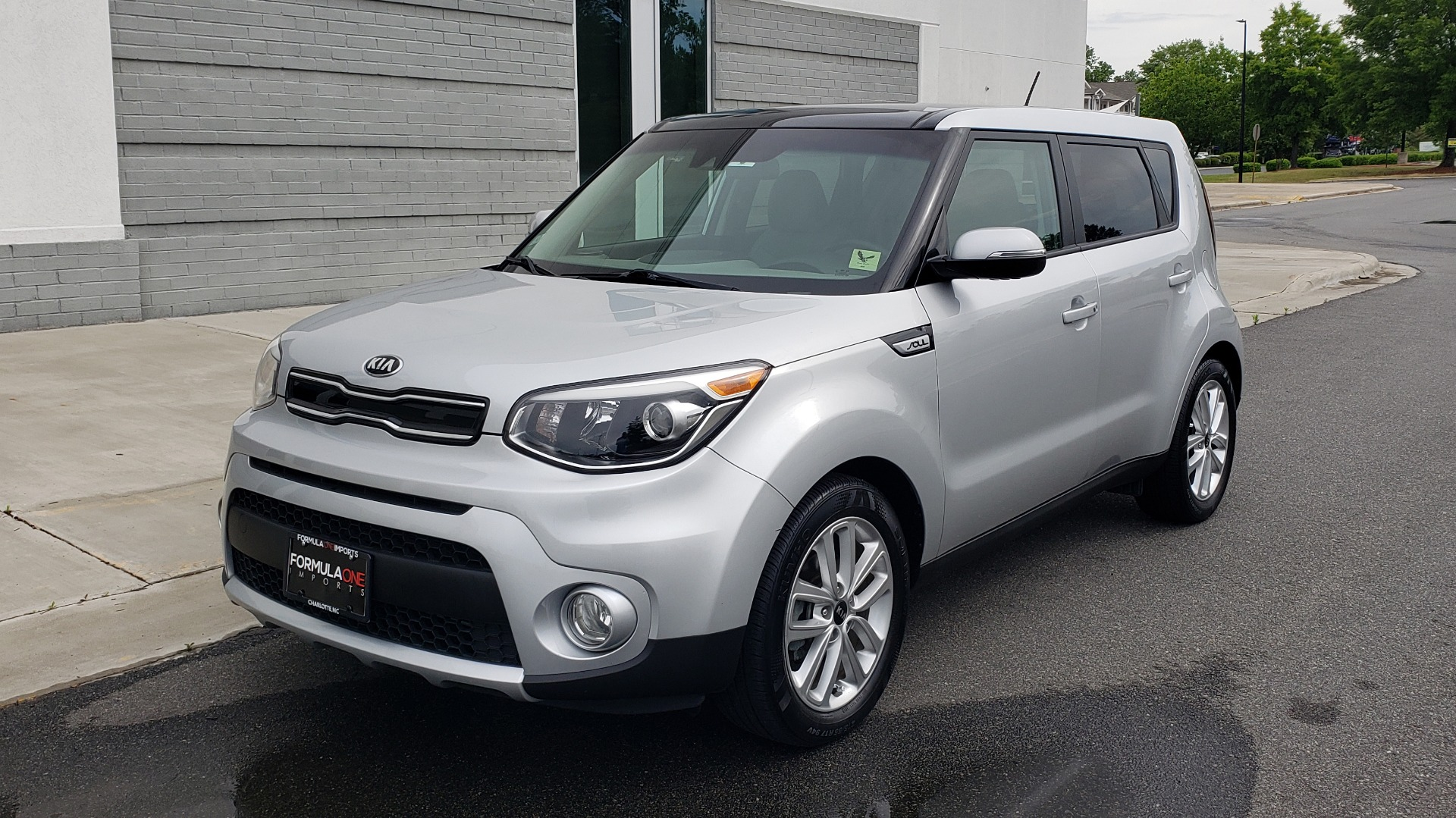 Used 2017 Kia SOUL PLUS / NAV / SUNROOF / LEATHER / HTD STS / REARVIEW for sale $16,995 at Formula Imports in Charlotte NC 28227 5