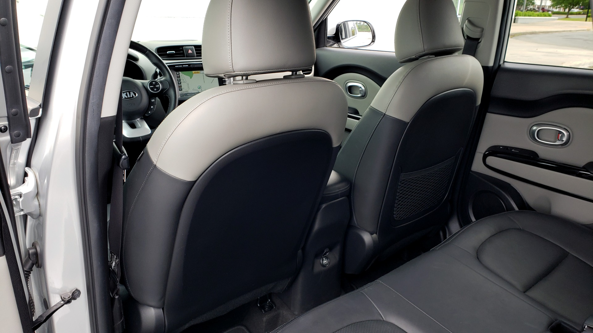 Used 2017 Kia SOUL PLUS / NAV / SUNROOF / LEATHER / HTD STS / REARVIEW for sale $16,995 at Formula Imports in Charlotte NC 28227 55