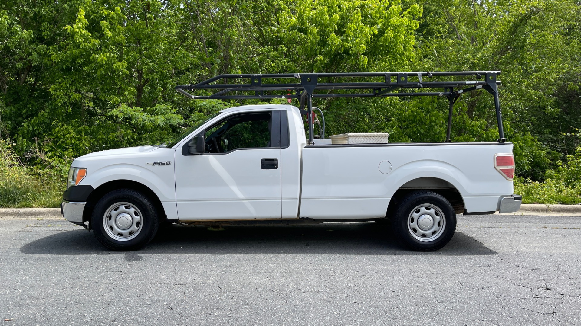 Used 2013 Ford F-150 XL / 2WD / V6 / AUTO / LONG BED / 145IN WB / WT / ROOF RACK / AUX TANK for sale Sold at Formula Imports in Charlotte NC 28227 2
