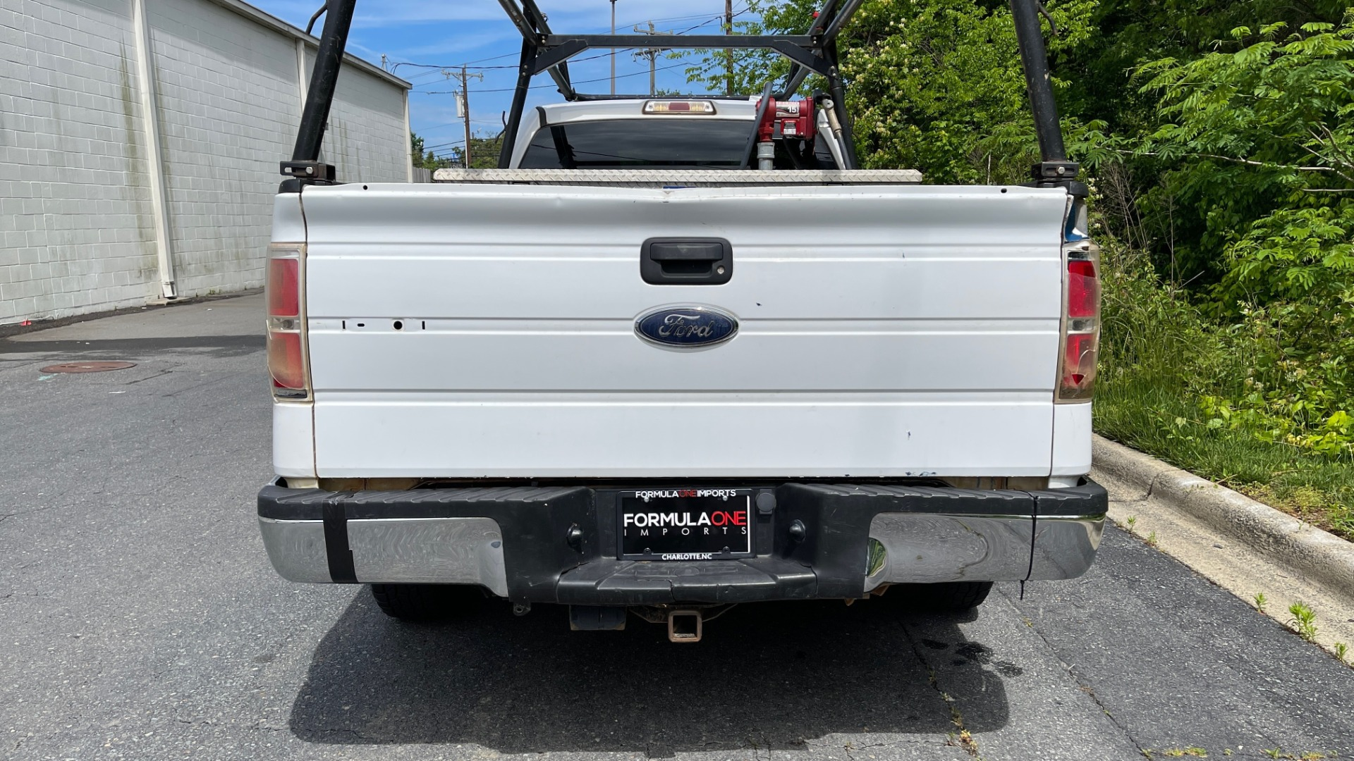 Used 2013 Ford F-150 XL / 2WD / V6 / AUTO / LONG BED / 145IN WB / WT / ROOF RACK / AUX TANK for sale Sold at Formula Imports in Charlotte NC 28227 4