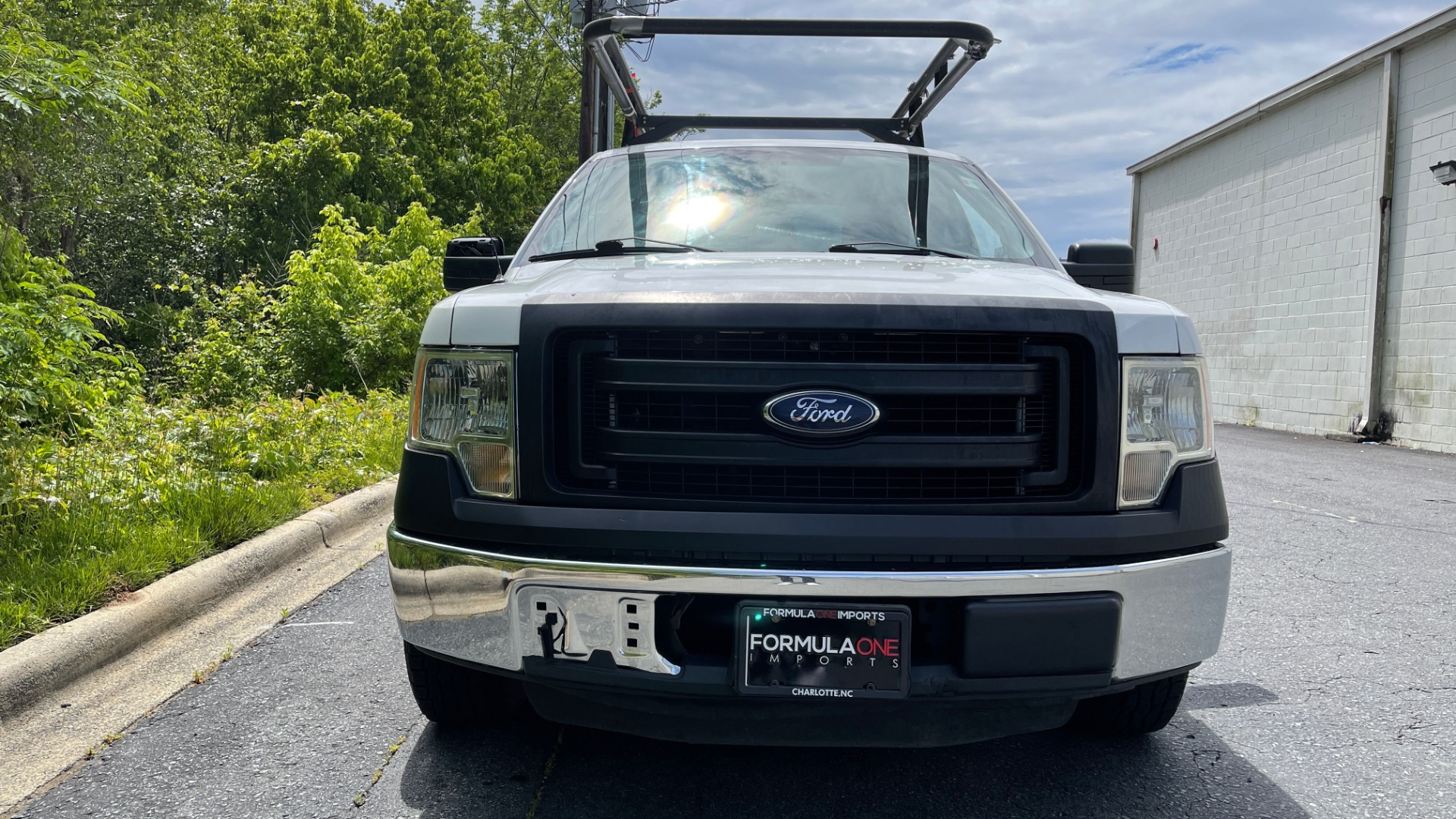 Used 2013 Ford F-150 XL / 2WD / V6 / AUTO / LONG BED / 145IN WB / WT / ROOF RACK / AUX TANK for sale Sold at Formula Imports in Charlotte NC 28227 5