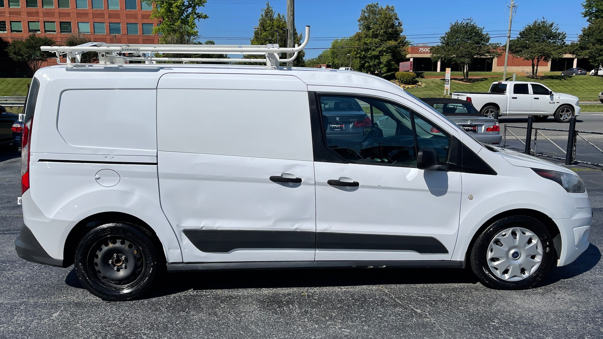 Used 2015 Ford TRANSIT CONNECT XLT CARGO VAN LWB / 2.5L 4-CYL / 6-SPD AUTO / ROOF RACK for sale $10,500 at Formula Imports in Charlotte NC 28227 4