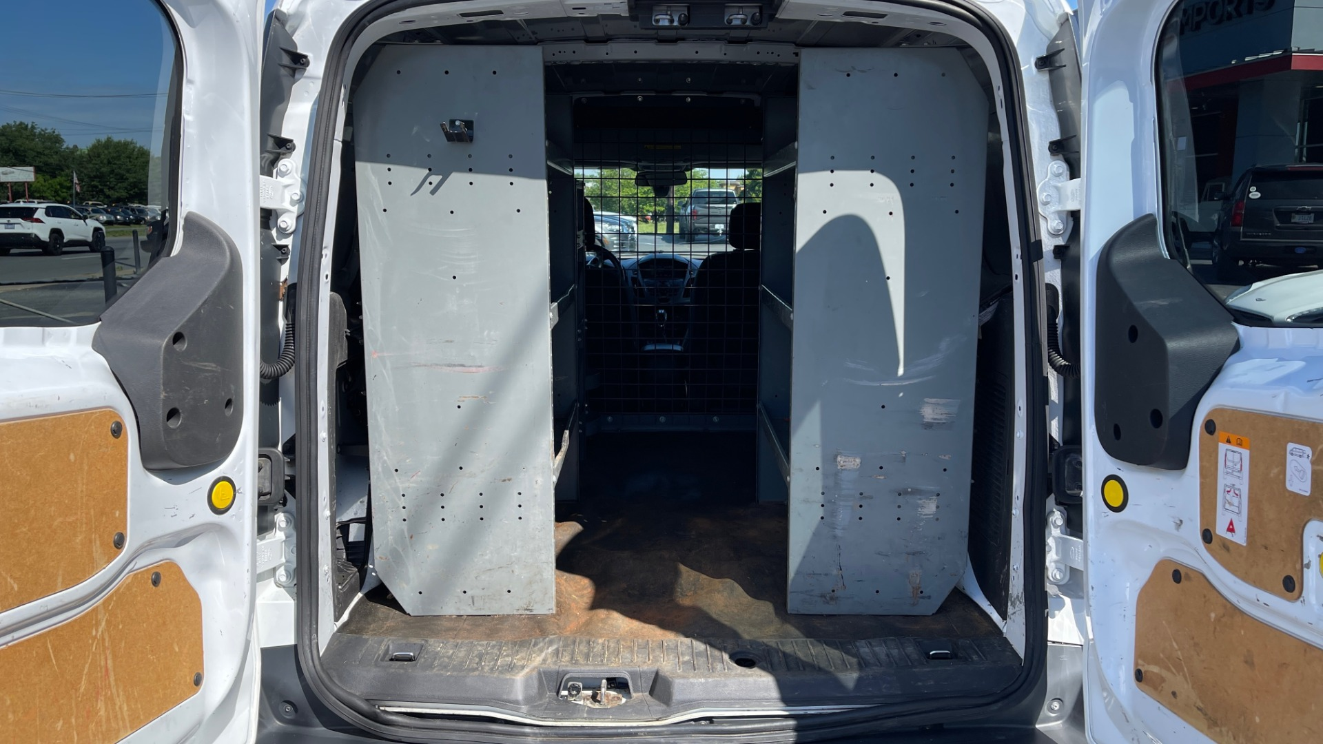 Used 2015 Ford TRANSIT CONNECT XLT CARGO VAN LWB / 2.5L 4-CYL / 6-SPD AUTO / ROOF RACK for sale $10,500 at Formula Imports in Charlotte NC 28227 54