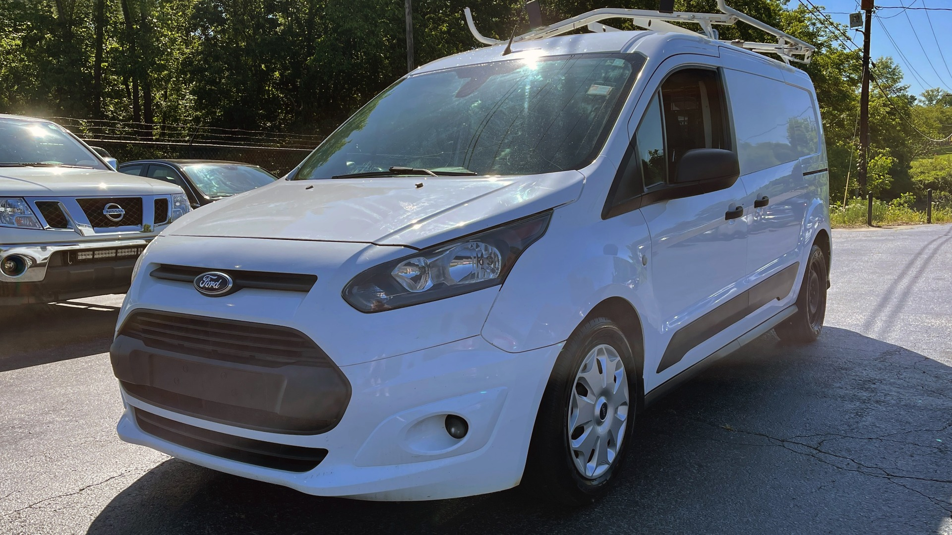 Used 2015 Ford TRANSIT CONNECT XLT CARGO VAN LWB / 2.5L 4-CYL / 6-SPD AUTO / ROOF RACK for sale $10,500 at Formula Imports in Charlotte NC 28227 1