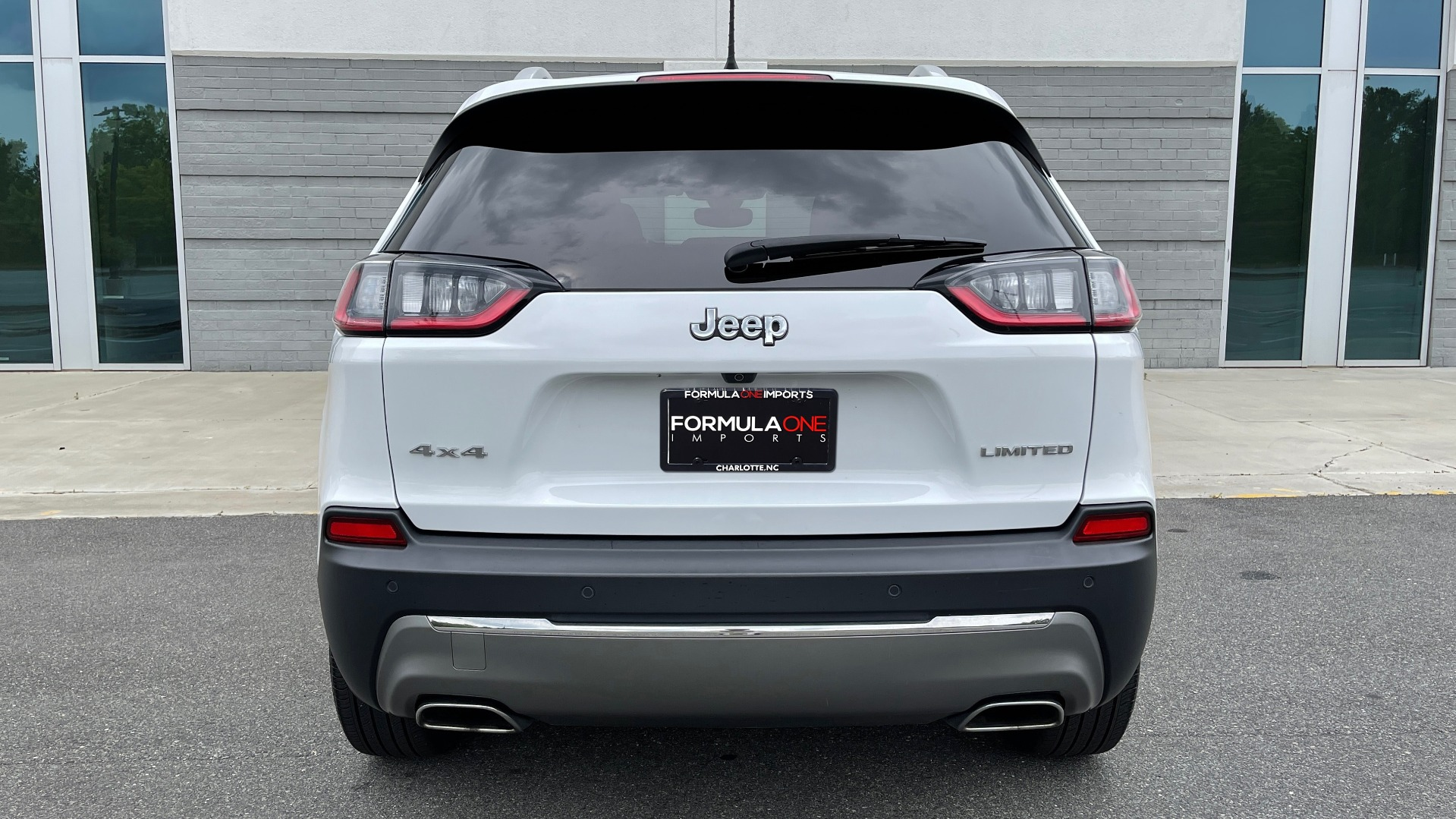 Used 2019 Jeep CHEROKEE LIMITED 4X4 / KEYLESS-GO / BLIND SPOT AND CROSS PATH / REMOTE START / REARV for sale $26,995 at Formula Imports in Charlotte NC 28227 24