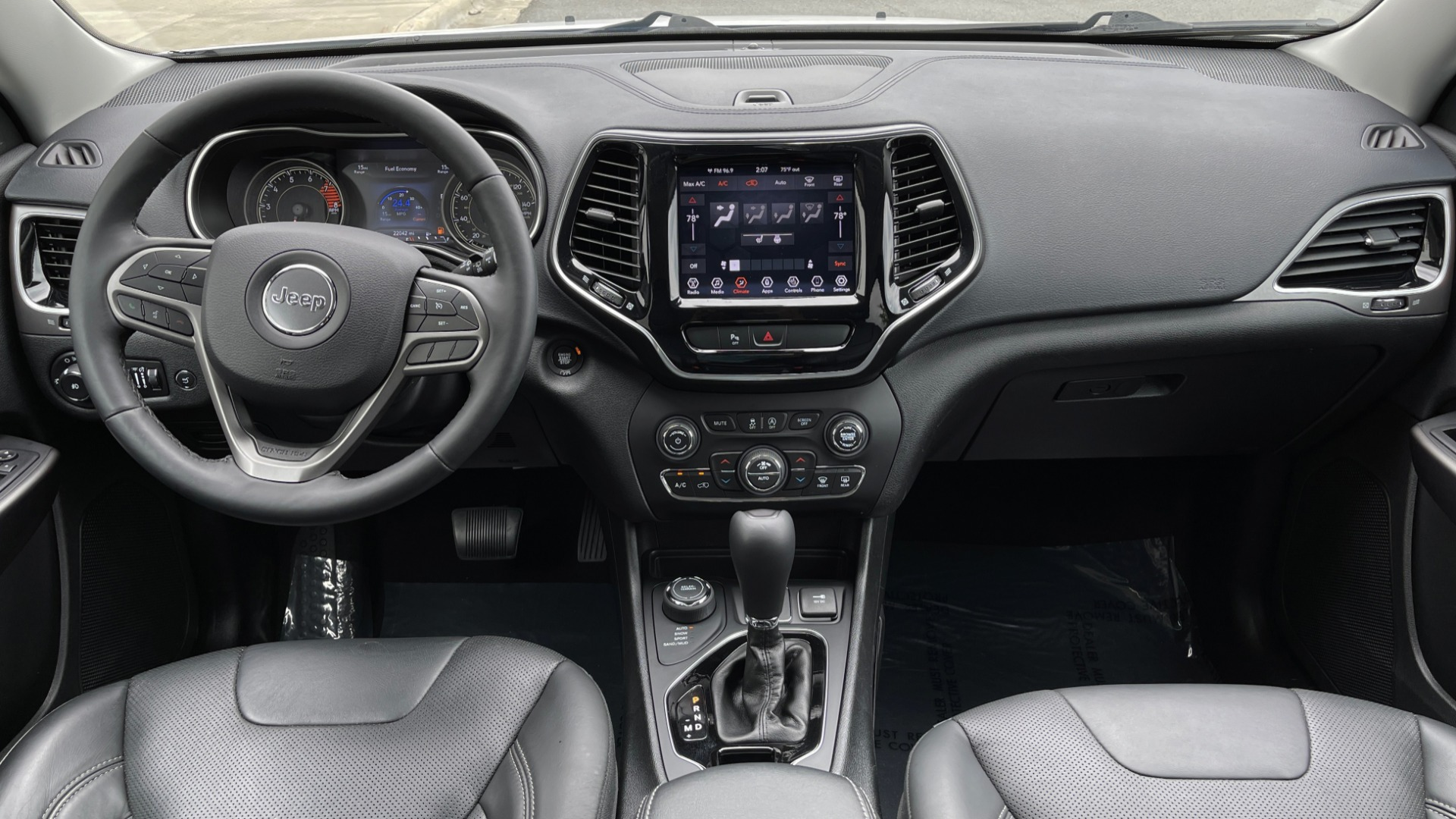 Used 2019 Jeep CHEROKEE LIMITED 4X4 / KEYLESS-GO / BLIND SPOT AND CROSS PATH / REMOTE START / REARV for sale $26,995 at Formula Imports in Charlotte NC 28227 71
