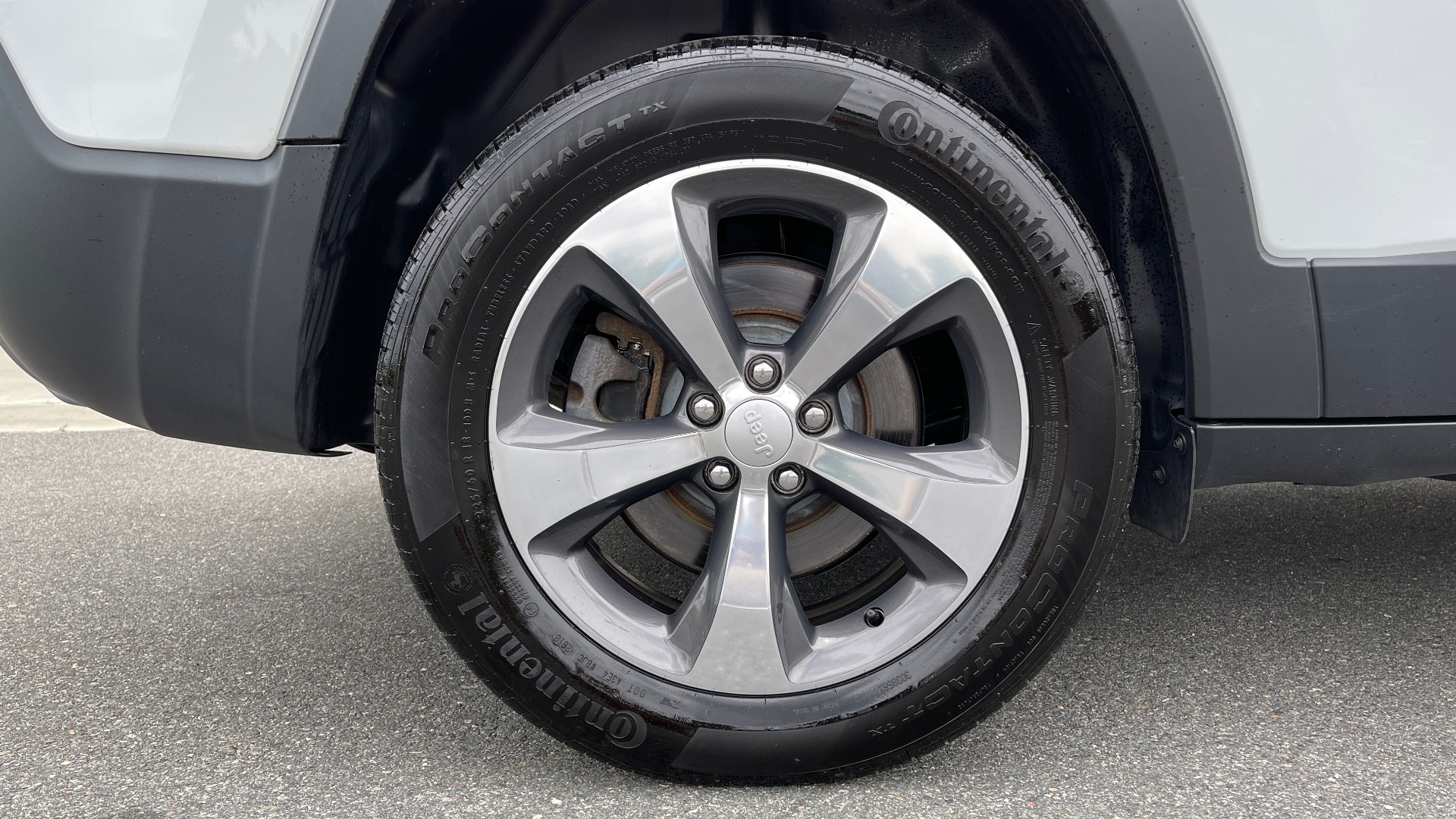Used 2019 Jeep CHEROKEE LIMITED 4X4 / KEYLESS-GO / BLIND SPOT AND CROSS PATH / REMOTE START / REARV for sale $26,995 at Formula Imports in Charlotte NC 28227 80