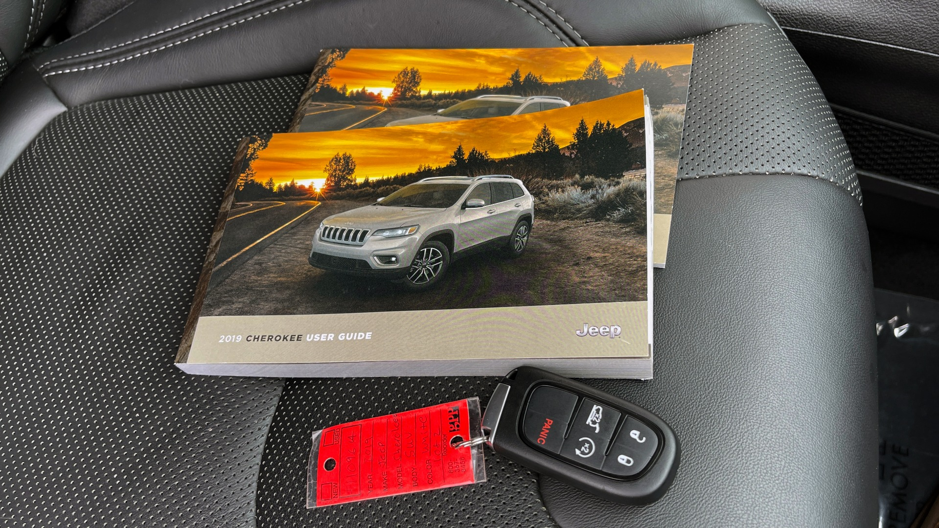 Used 2019 Jeep CHEROKEE LIMITED 4X4 / KEYLESS-GO / BLIND SPOT AND CROSS PATH / REMOTE START / REARV for sale $26,995 at Formula Imports in Charlotte NC 28227 87