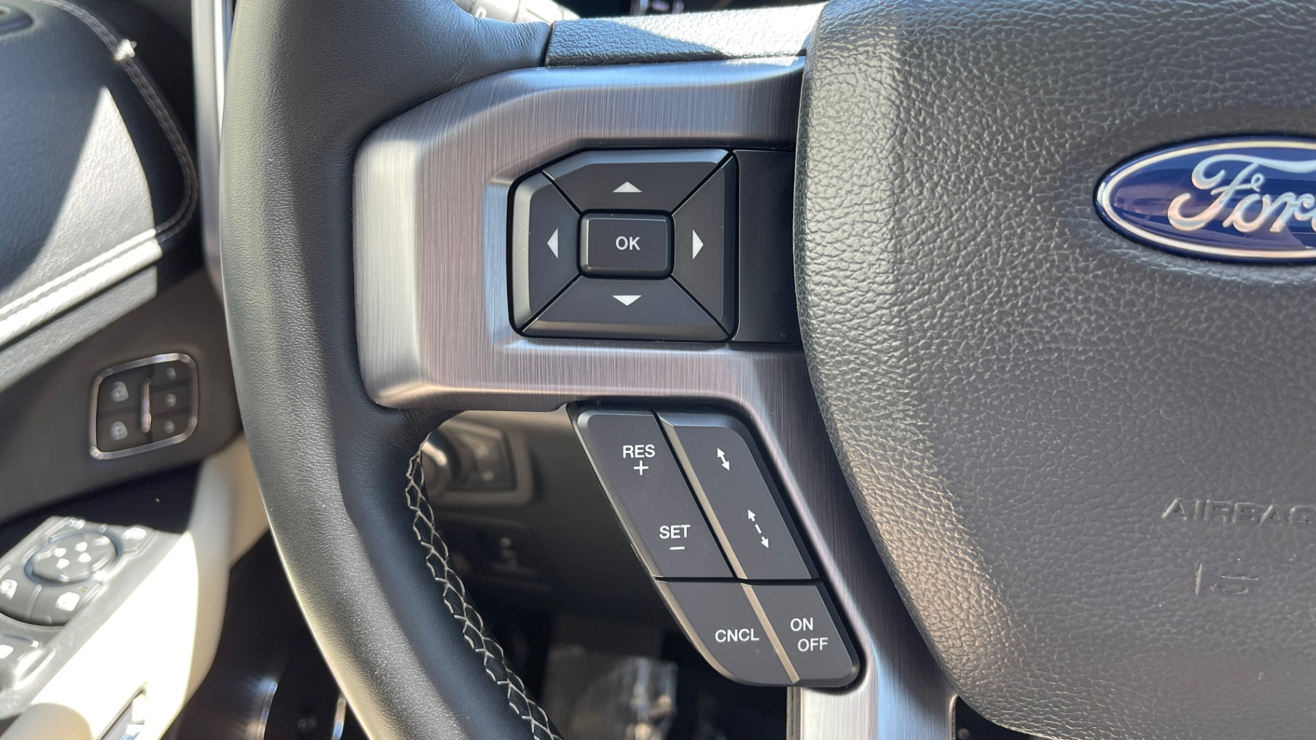 Used 2019 Ford EXPEDITION PLATINUM / 3.5L ECOBOOST / NAV / WIFI / SUNROOF / 3-ROW / REARVIEW for sale Sold at Formula Imports in Charlotte NC 28227 45
