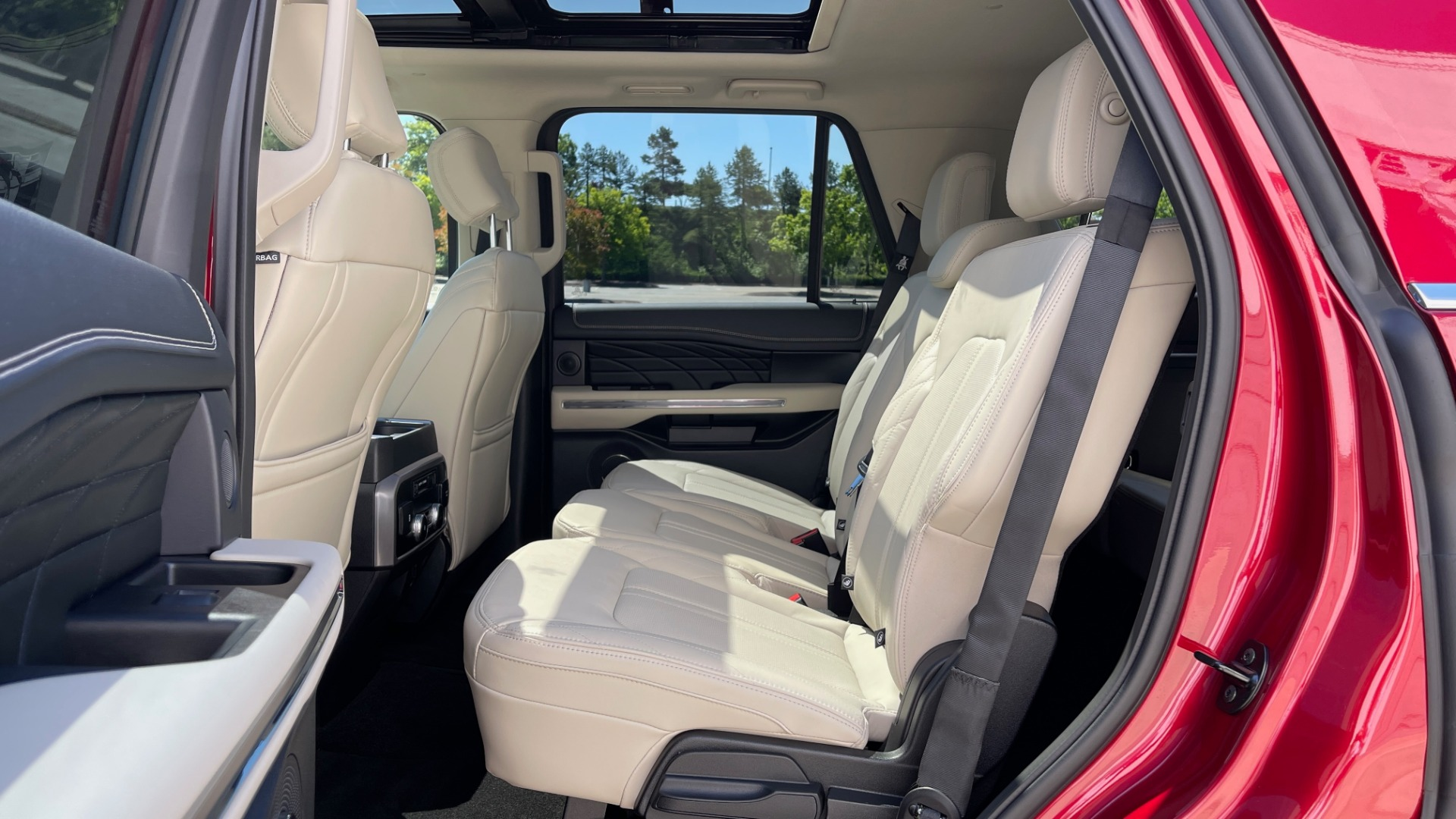 Used 2019 Ford EXPEDITION PLATINUM / 3.5L ECOBOOST / NAV / WIFI / SUNROOF / 3-ROW / REARVIEW for sale Sold at Formula Imports in Charlotte NC 28227 68