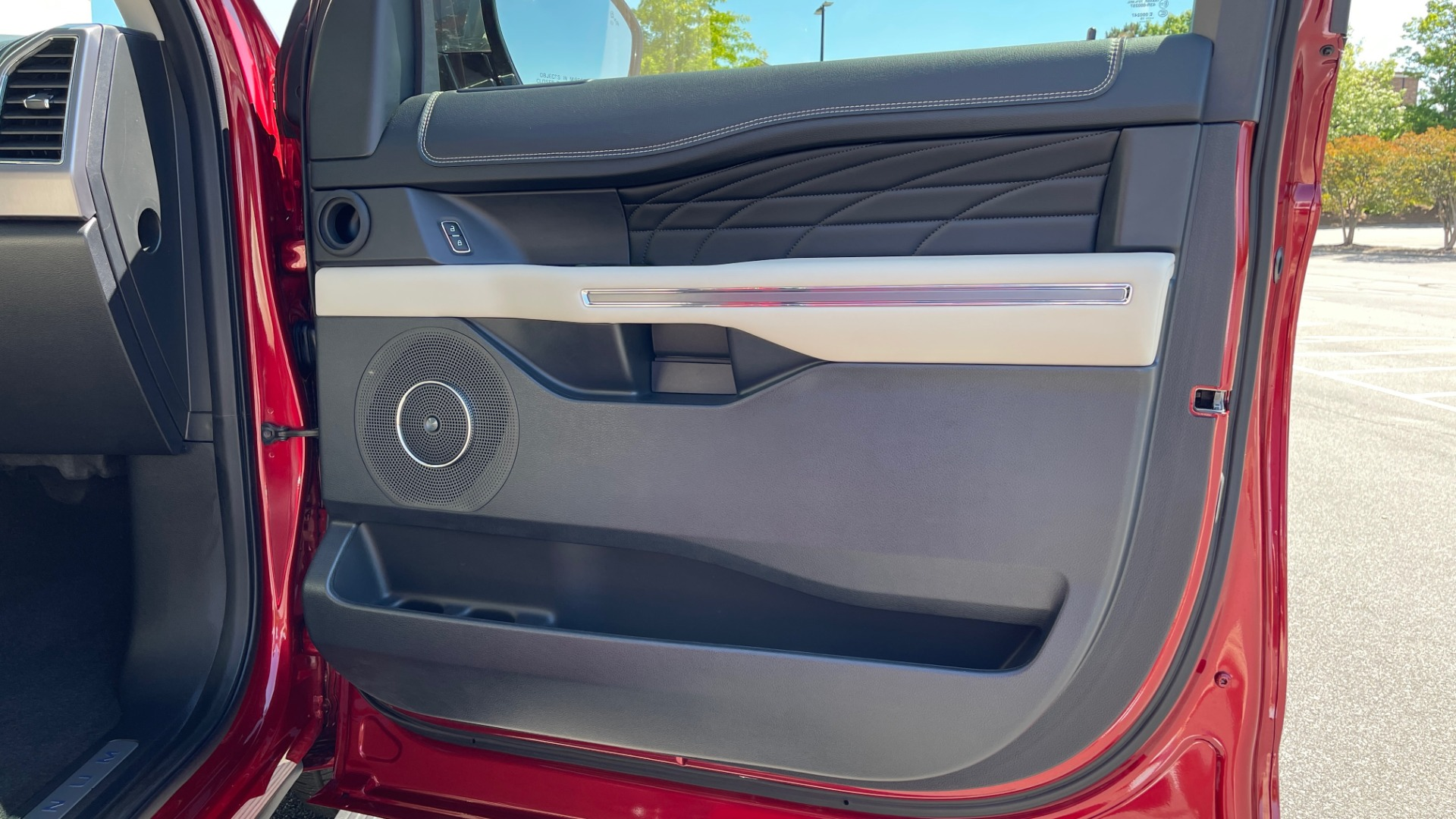 Used 2019 Ford EXPEDITION PLATINUM / 3.5L ECOBOOST / NAV / WIFI / SUNROOF / 3-ROW / REARVIEW for sale Sold at Formula Imports in Charlotte NC 28227 92
