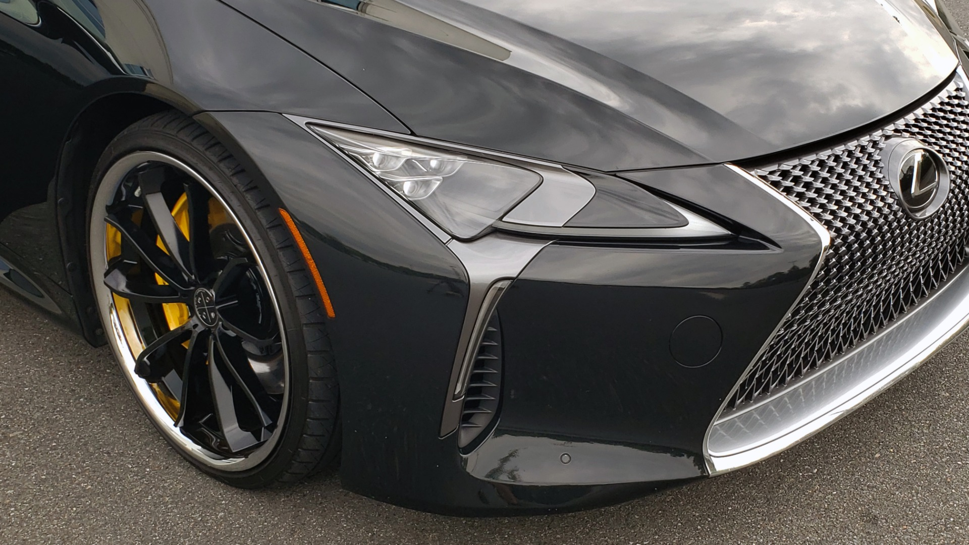 Used 2018 Lexus LC 500 COUPE / 5.0L V8 (471HP) / 10-SPD AUTO / HUD / SUNROOF / REARVIEW for sale Sold at Formula Imports in Charlotte NC 28227 28