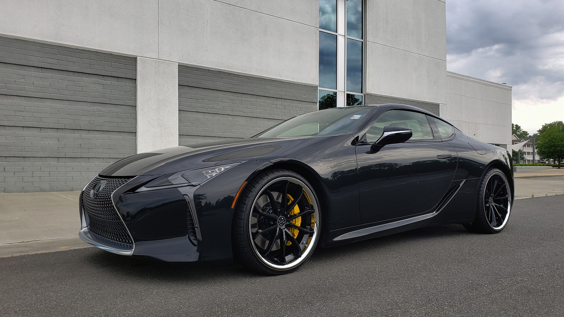 Used 2018 Lexus LC 500 COUPE / 5.0L V8 (471HP) / 10-SPD AUTO / HUD / SUNROOF / REARVIEW for sale Sold at Formula Imports in Charlotte NC 28227 7