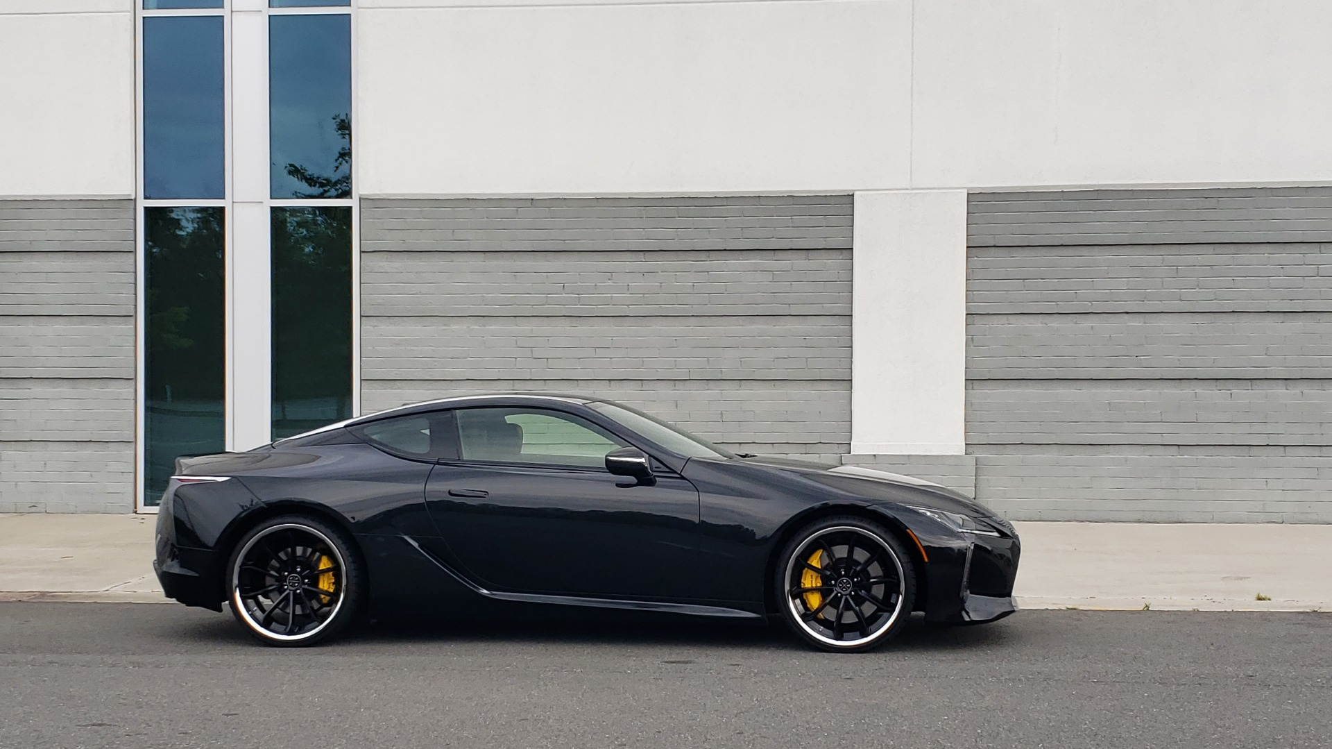 Used 2018 Lexus LC 500 COUPE / 5.0L V8 (471HP) / 10-SPD AUTO / HUD / SUNROOF / REARVIEW for sale Sold at Formula Imports in Charlotte NC 28227 8