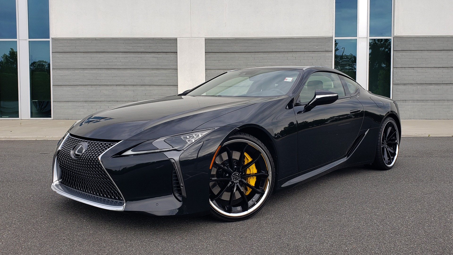 Used 2018 Lexus LC 500 COUPE / 5.0L V8 (471HP) / 10-SPD AUTO / HUD / SUNROOF / REARVIEW for sale Sold at Formula Imports in Charlotte NC 28227 1