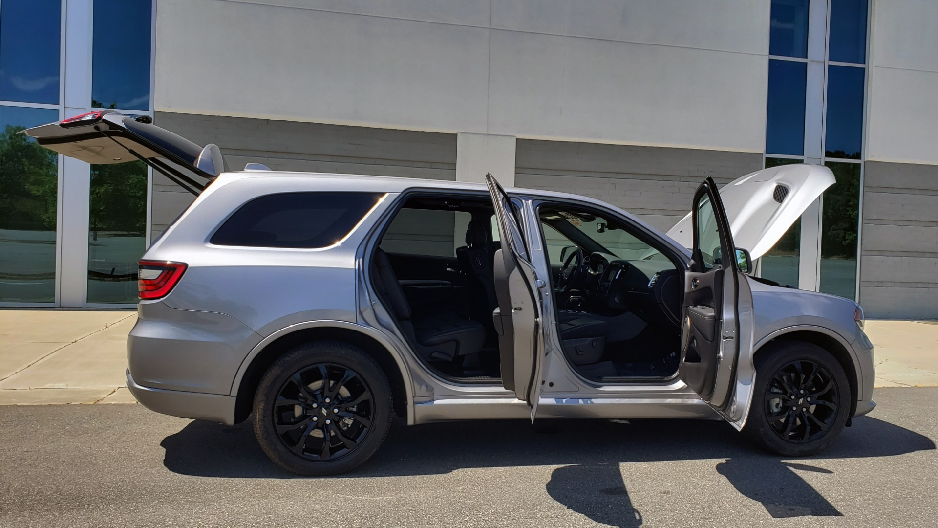 Used 2019 Dodge DURANGO R/T BLACKTOP AWD / TECH / ADAPT CRUS / TOW GROUP / SUNROOF / REARVIEW for sale Sold at Formula Imports in Charlotte NC 28227 12