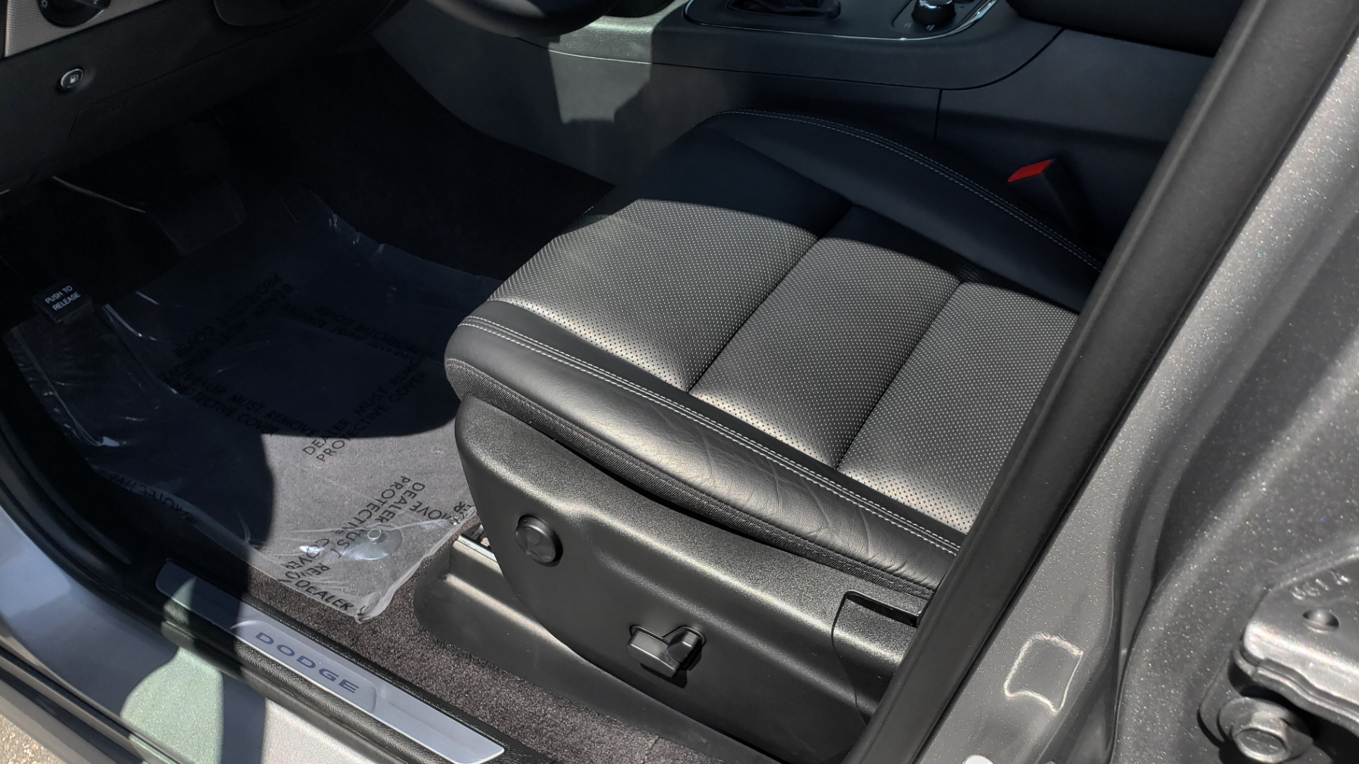 Used 2019 Dodge DURANGO R/T BLACKTOP AWD / TECH / ADAPT CRUS / TOW GROUP / SUNROOF / REARVIEW for sale Sold at Formula Imports in Charlotte NC 28227 39