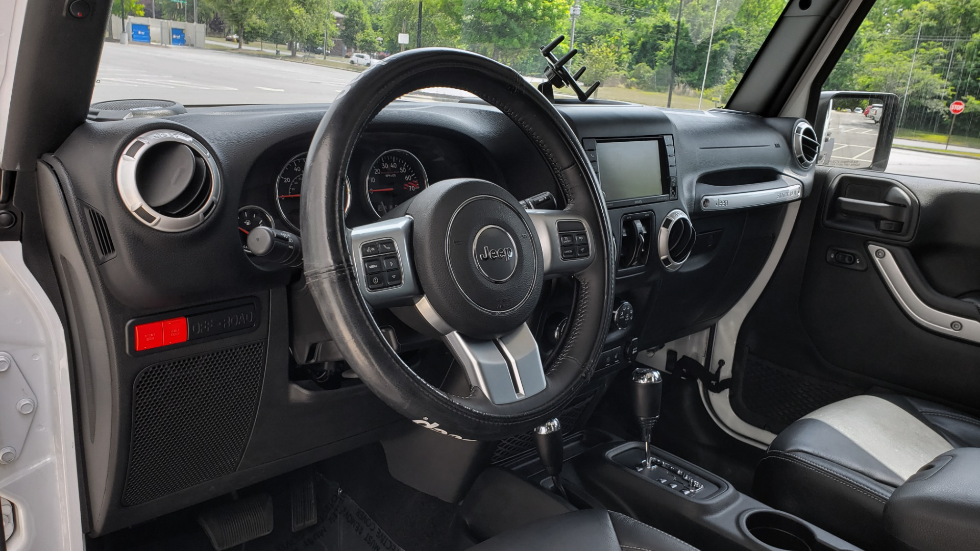 Used 2017 Jeep WRANGLER UNLIMITED RUBICON HARD ROCK 4X4 / 3.6L V6 / 5-SPD AUTO / NAV / REMOTE START for sale Sold at Formula Imports in Charlotte NC 28227 36