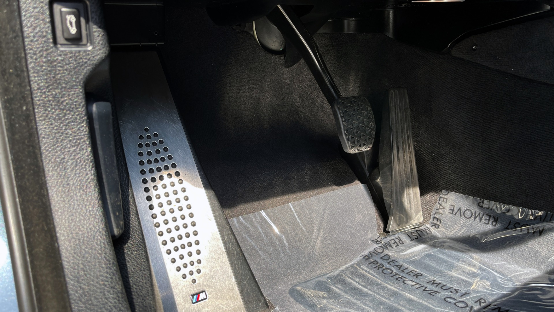 Used 2015 BMW M5 SEDAN / EXEC PKG / HUD / NAV / B&O SND / SUNROOF / REARVIEW for sale Sold at Formula Imports in Charlotte NC 28227 40