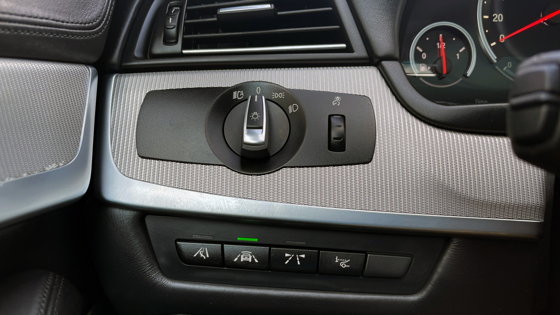 Used 2015 BMW M5 SEDAN / EXEC PKG / HUD / NAV / B&O SND / SUNROOF / REARVIEW for sale Sold at Formula Imports in Charlotte NC 28227 47