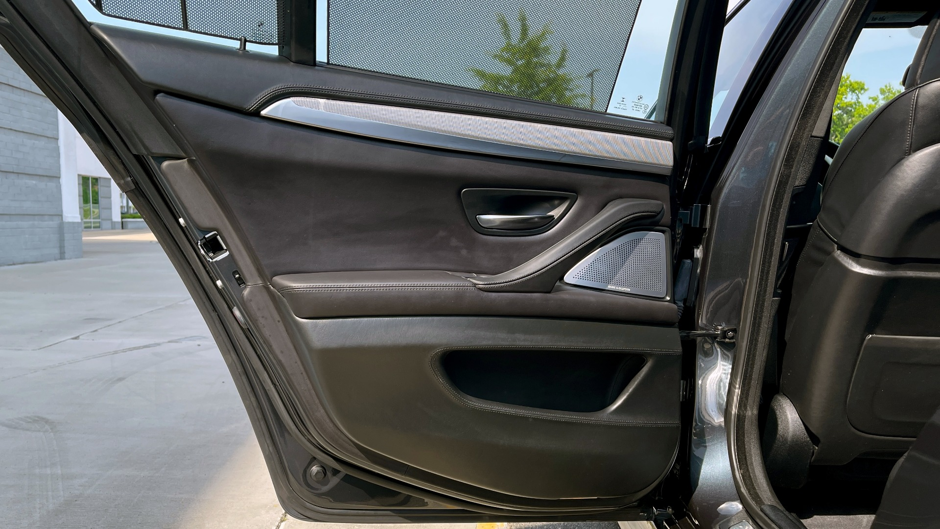 Used 2015 BMW M5 SEDAN / EXEC PKG / HUD / NAV / B&O SND / SUNROOF / REARVIEW for sale Sold at Formula Imports in Charlotte NC 28227 72