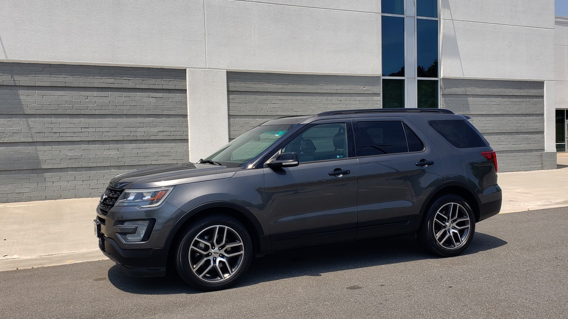 Used 2016 Ford EXPLORER SPORT 4WD / 3.5L ECOBOOST / 6-SPD AUTO / BSM / REARVIEW for sale Sold at Formula Imports in Charlotte NC 28227 4