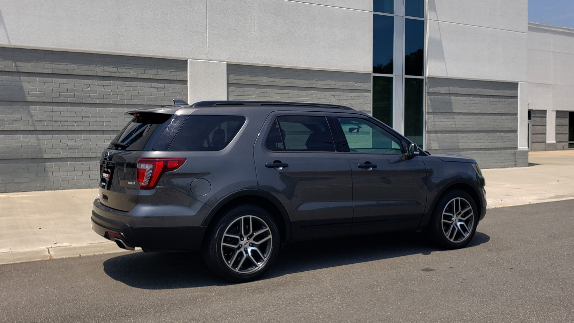 Used 2016 Ford EXPLORER SPORT 4WD / 3.5L ECOBOOST / 6-SPD AUTO / BSM / REARVIEW for sale Sold at Formula Imports in Charlotte NC 28227 7