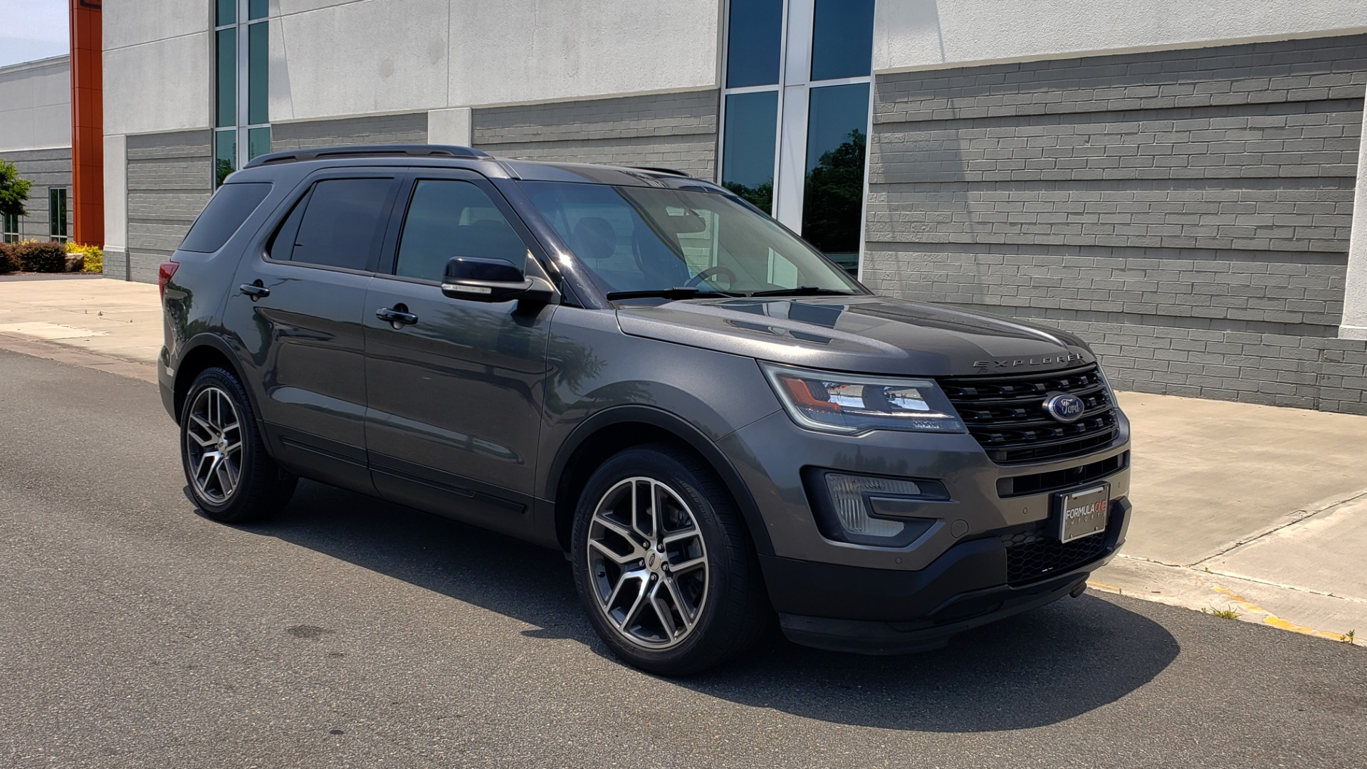 Used 2016 Ford EXPLORER SPORT 4WD / 3.5L ECOBOOST / 6-SPD AUTO / BSM / REARVIEW for sale Sold at Formula Imports in Charlotte NC 28227 9